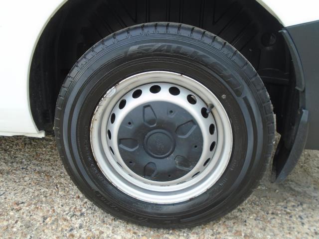 2017 Ford Transit Custom 2.0 Tdci 130Ps Low Roof Kombi Van (FL67PZO) Image 10