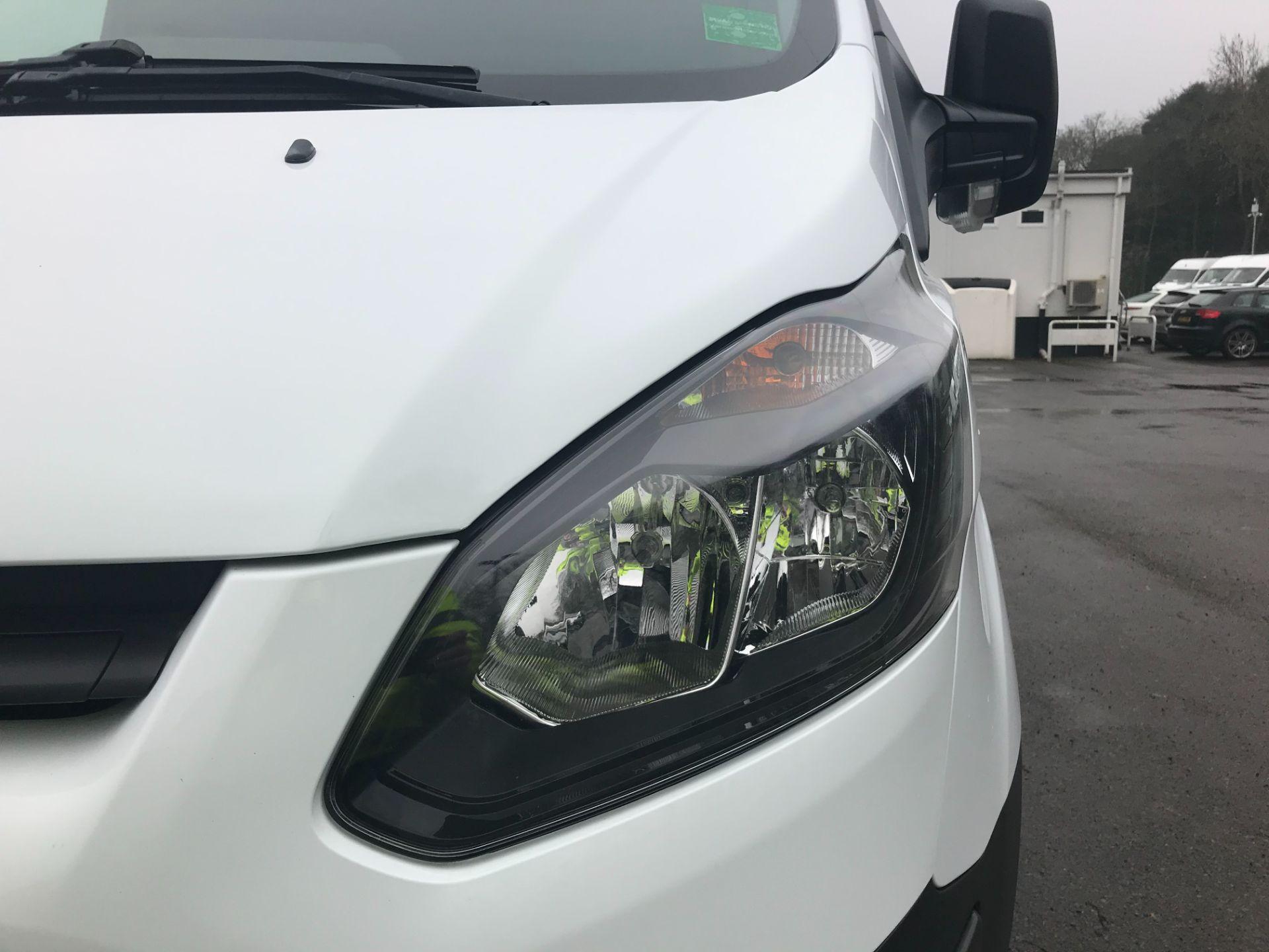 2017 Ford Transit Custom  290 L1 DIESEL FWD 2.0 TDCI 105PS LOW ROOF VAN EURO 6 (FL67RBV) Image 12