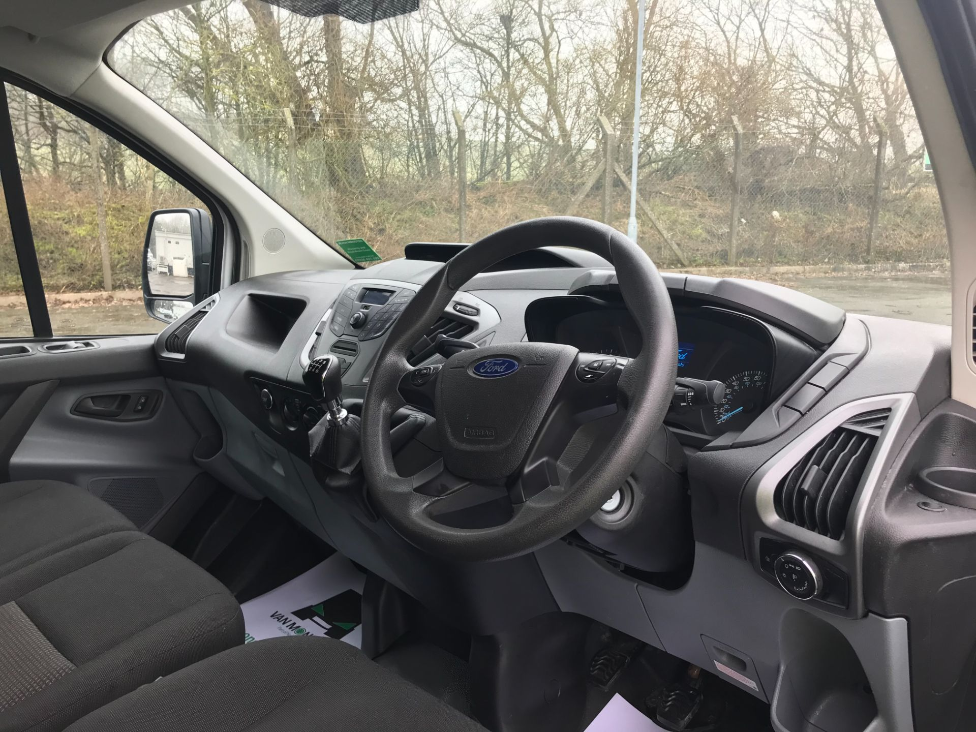 2017 Ford Transit Custom  290 L1 DIESEL FWD 2.0 TDCI 105PS LOW ROOF VAN EURO 6 (FL67RBV) Image 17