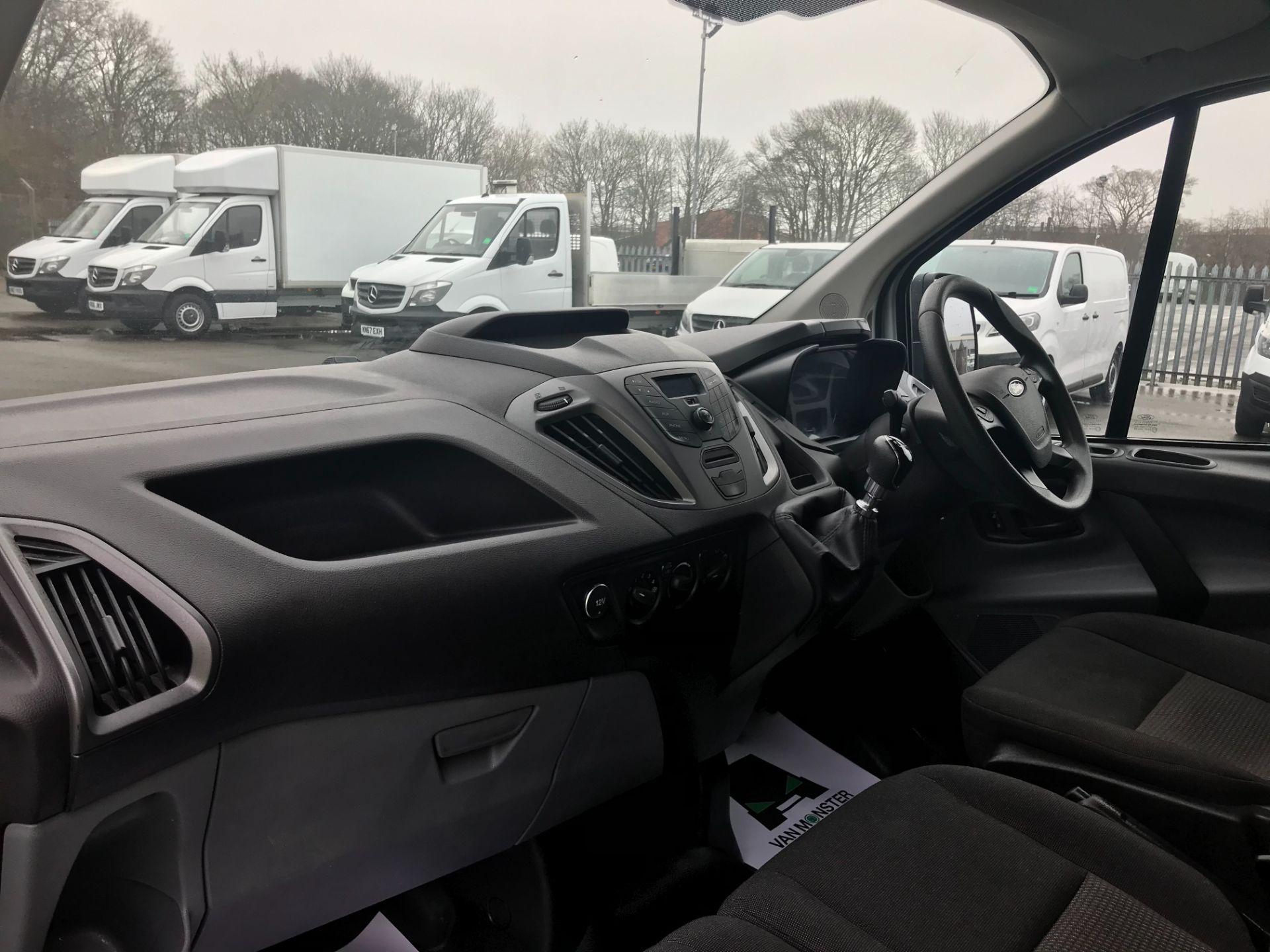 2017 Ford Transit Custom  290 L1 DIESEL FWD 2.0 TDCI 105PS LOW ROOF VAN EURO 6 (FL67RBV) Image 16