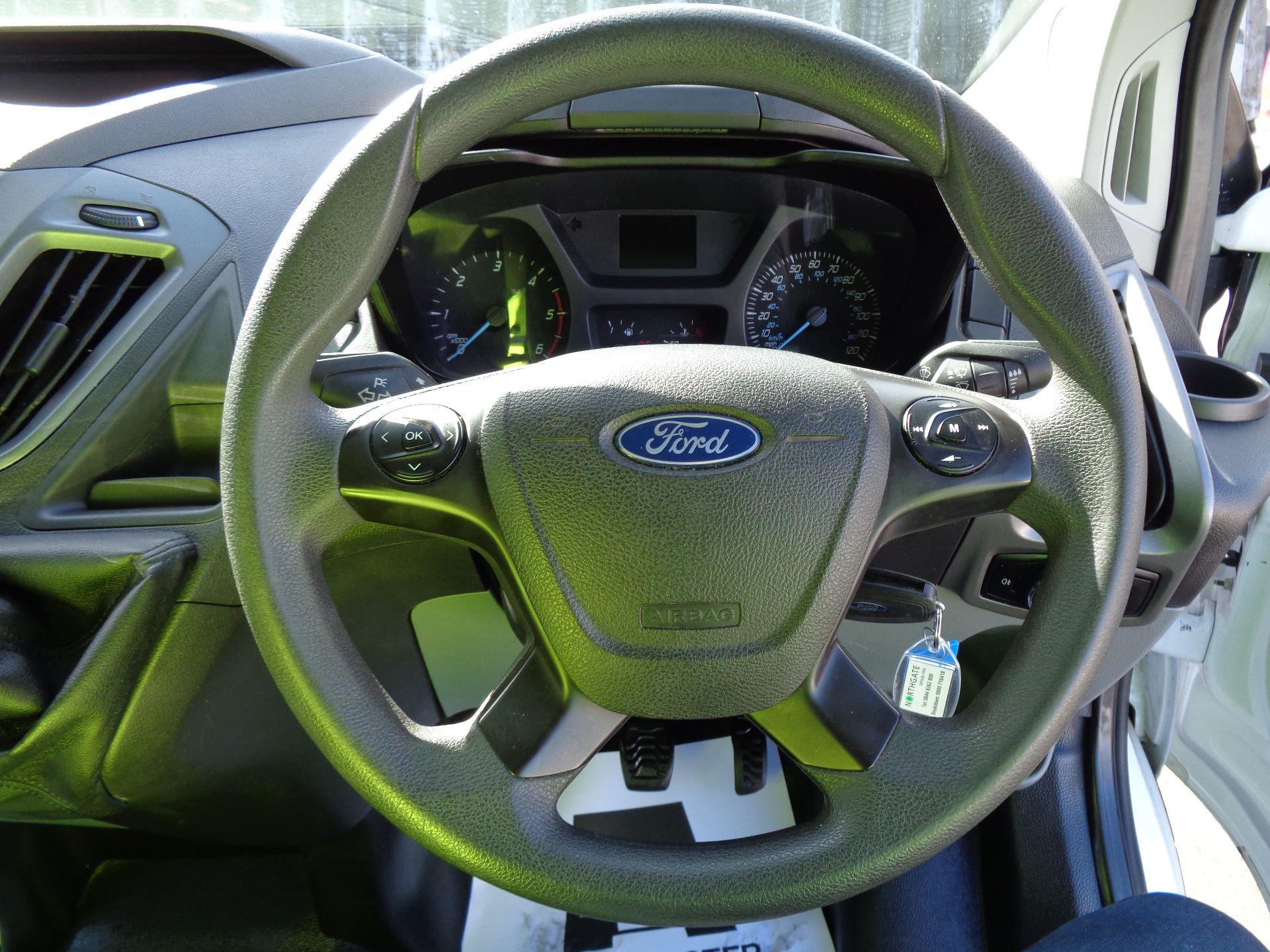 2017 Ford Transit Custom  290 L1 DIESEL FWD 2.0 TDCI 105PS LOW ROOF VAN EURO 6 (FL67RGO) Image 17