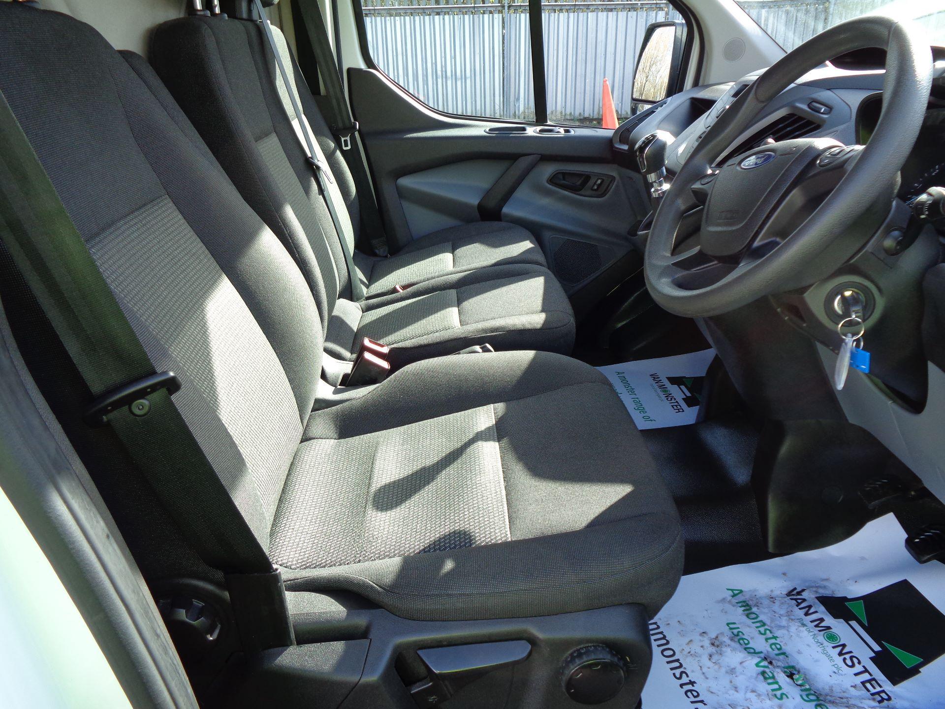 2017 Ford Transit Custom  290 L1 DIESEL FWD 2.0 TDCI 105PS LOW ROOF VAN EURO 6 (FL67RGO) Image 16