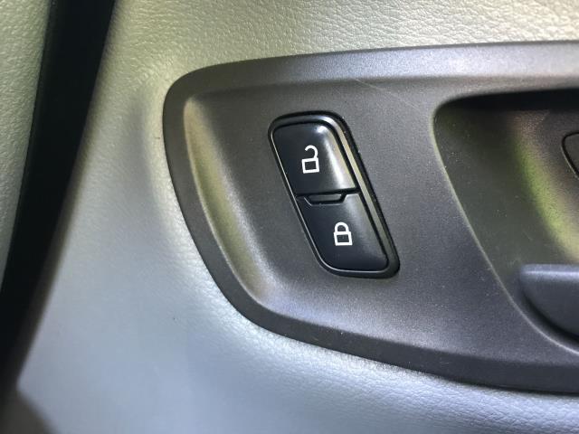 2017 Ford Transit Custom  290 L1 2.0TDCI 105PS LOW ROOF EURO 6 (FL67RJY) Image 26