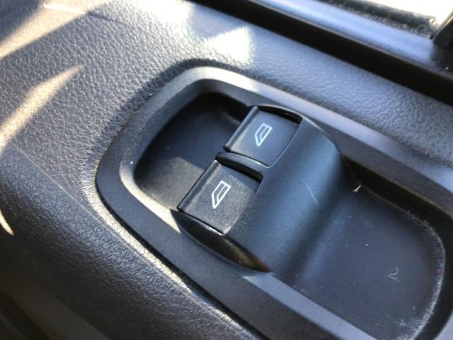 2017 Ford Transit Custom  290 L1 2.0TDCI 105PS LOW ROOF EURO 6 (FL67RJY) Image 27