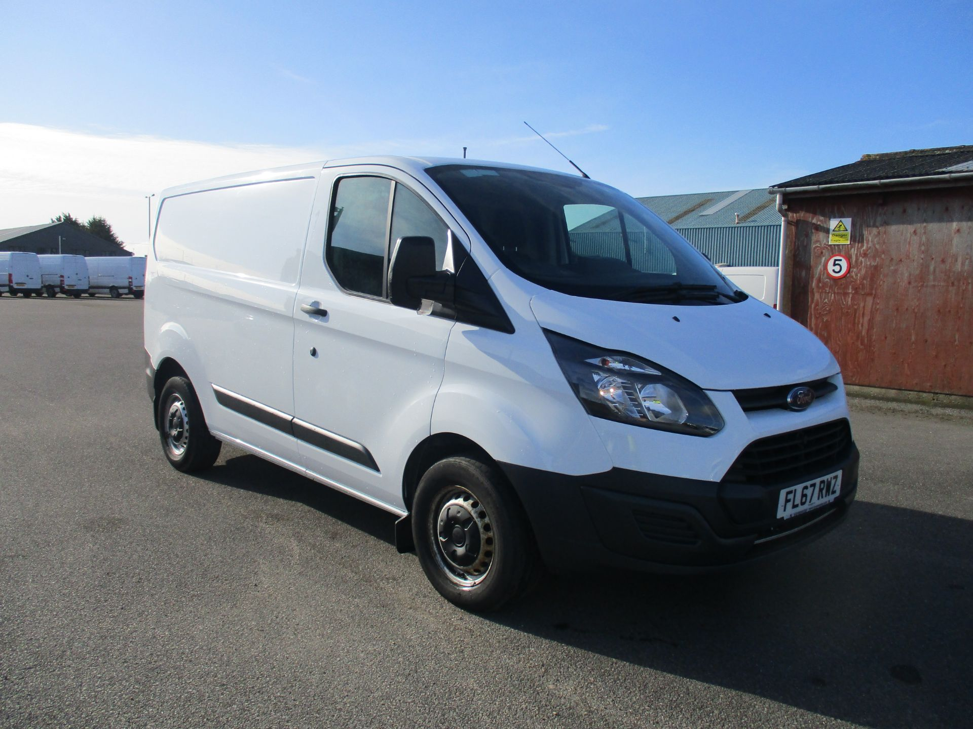 2017 Ford Transit Custom 290 L1 DIESEL FWD 2.0 TDCI 105PS LOW ROOF VAN EURO 6 (FL67RWZ)