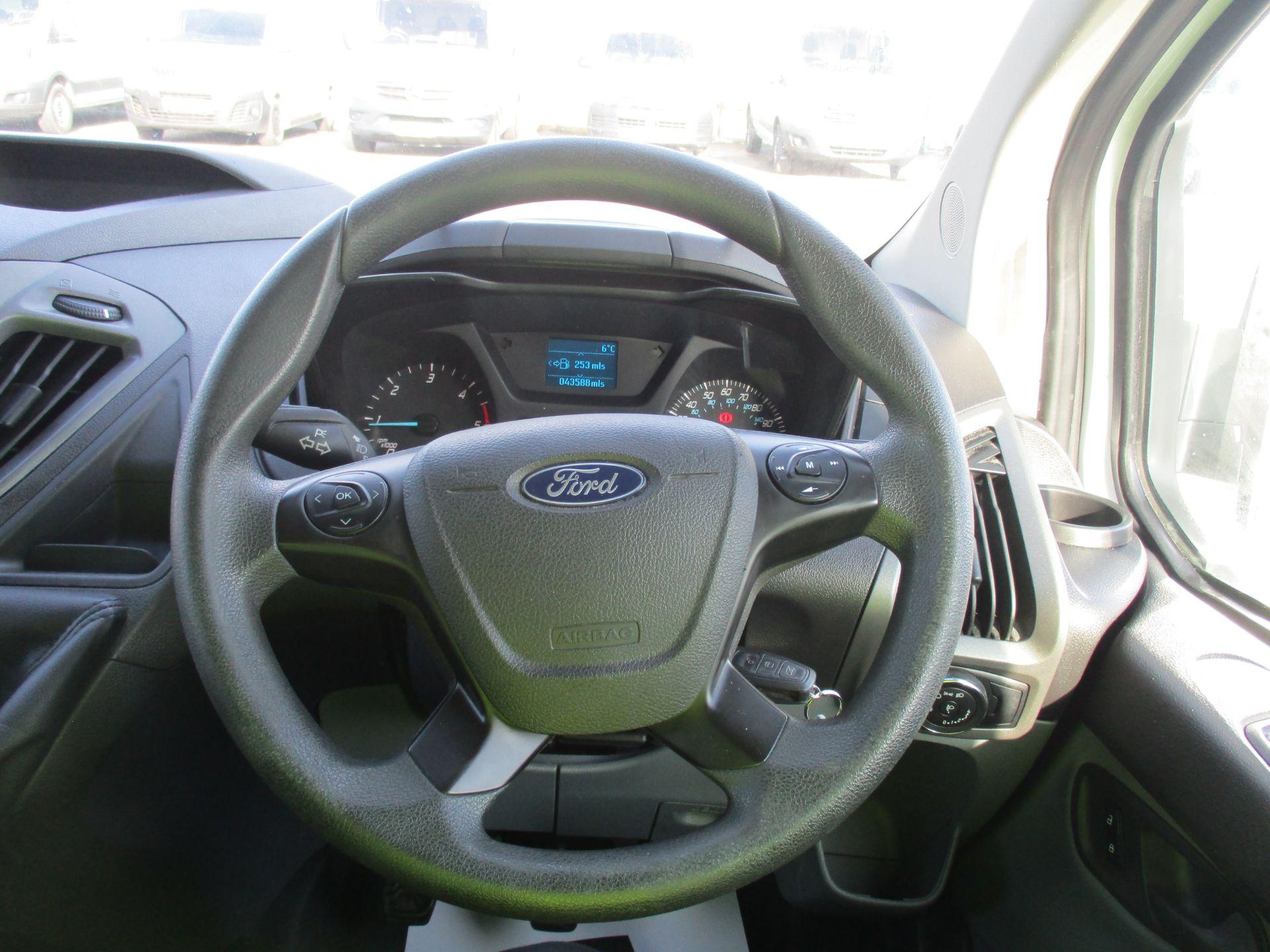 2017 Ford Transit Custom 290 L1 DIESEL FWD 2.0 TDCI 105PS LOW ROOF VAN EURO 6 (FL67RWZ) Image 16