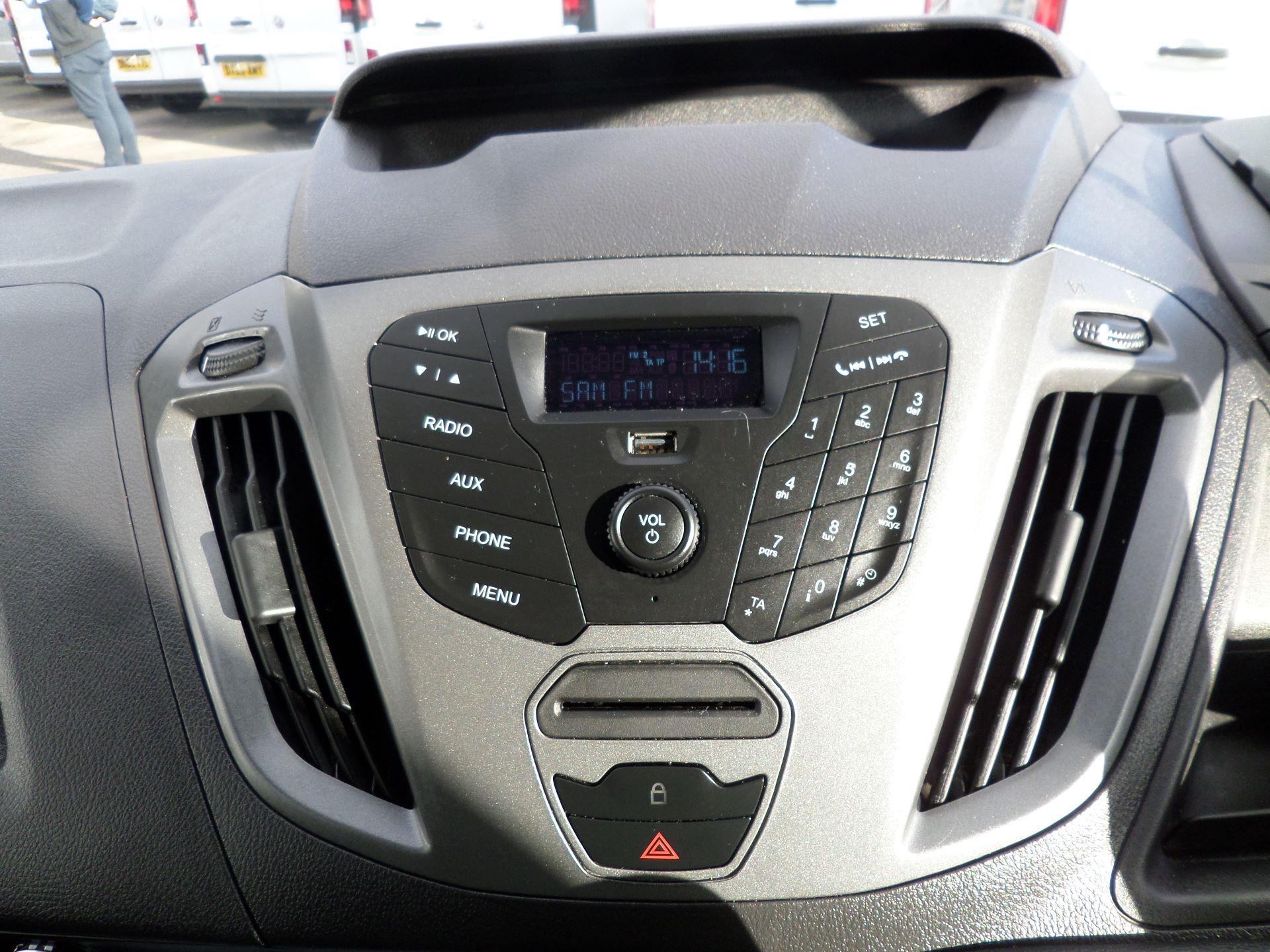2017 Ford Transit Custom 2.0 Tdci 105Ps Low Roof /MWB Van Euro 6 (FL67RYK) Image 12