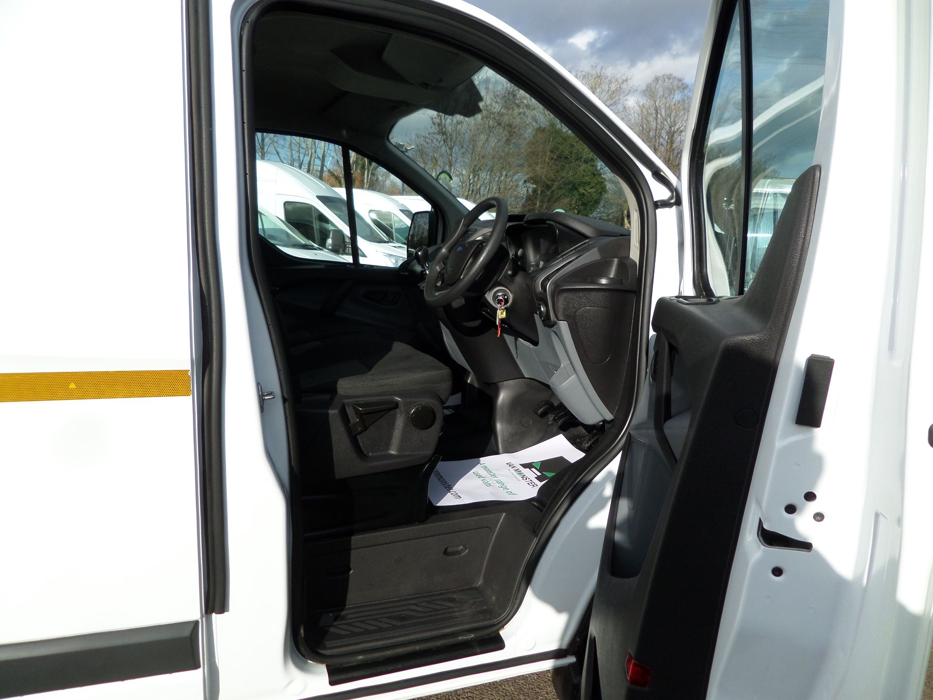 2017 Ford Transit Custom 2.0 Tdci 105Ps Low Roof /MWB Van Euro 6 (FL67RYK) Image 11