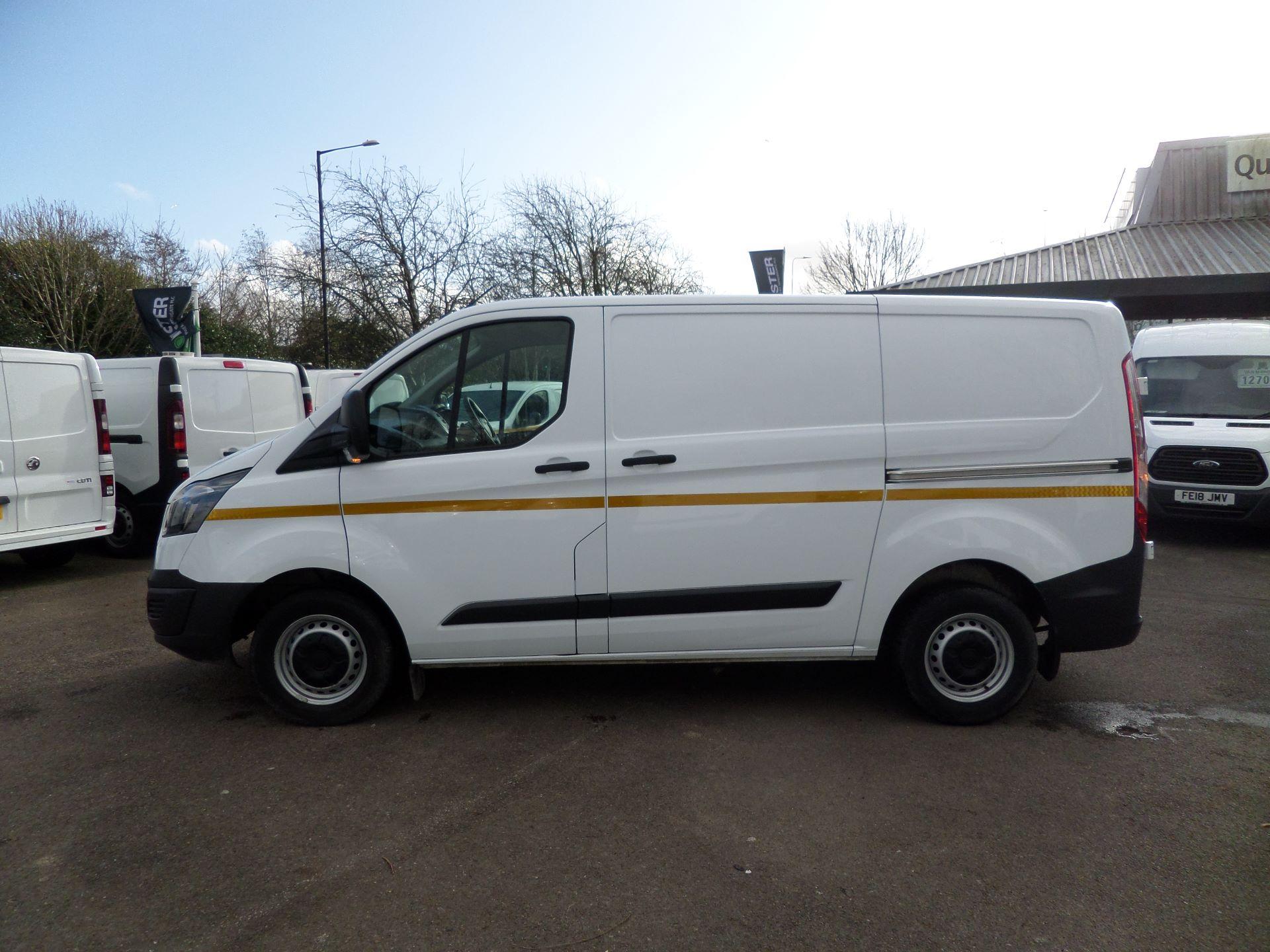 2017 Ford Transit Custom 2.0 Tdci 105Ps Low Roof /MWB Van Euro 6 (FL67RYK) Image 6