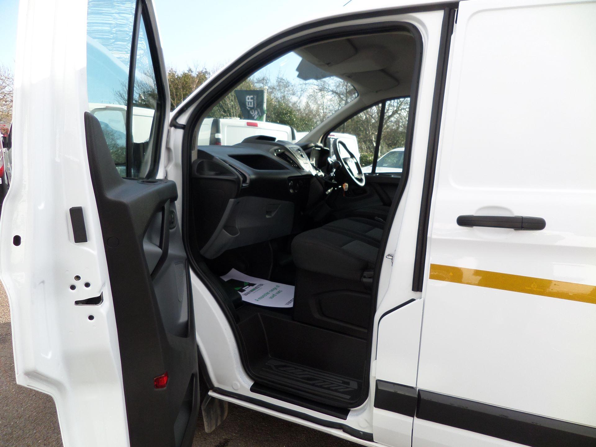 2017 Ford Transit Custom 2.0 Tdci 105Ps Low Roof /MWB Van Euro 6 (FL67RYK) Image 8
