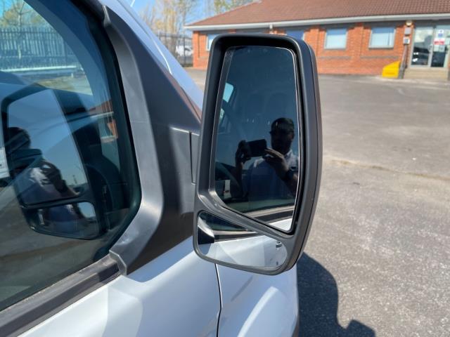 2017 Ford Transit Custom 2.0 Tdci 105Ps Low Roof Van (FL67SFF) Image 10