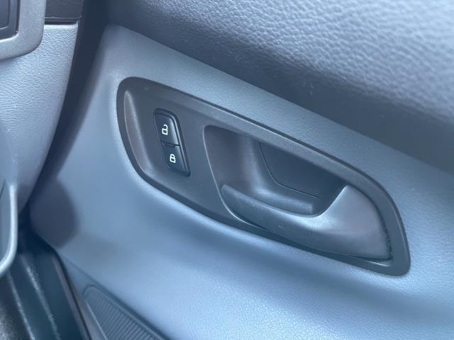 2017 Ford Transit Custom 2.0 Tdci 105Ps Low Roof Van (FL67SFF) Image 19