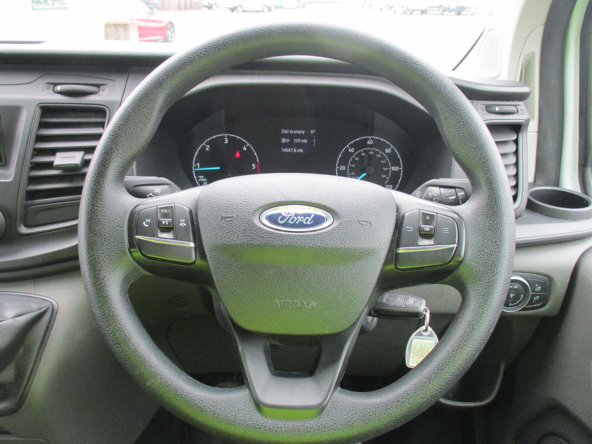 2018 Ford Transit Custom 300 L1 DIESEL FWD 2.0 TDCI 105PS LOW ROOF VAN EURO 6 (FL68AHC) Image 16