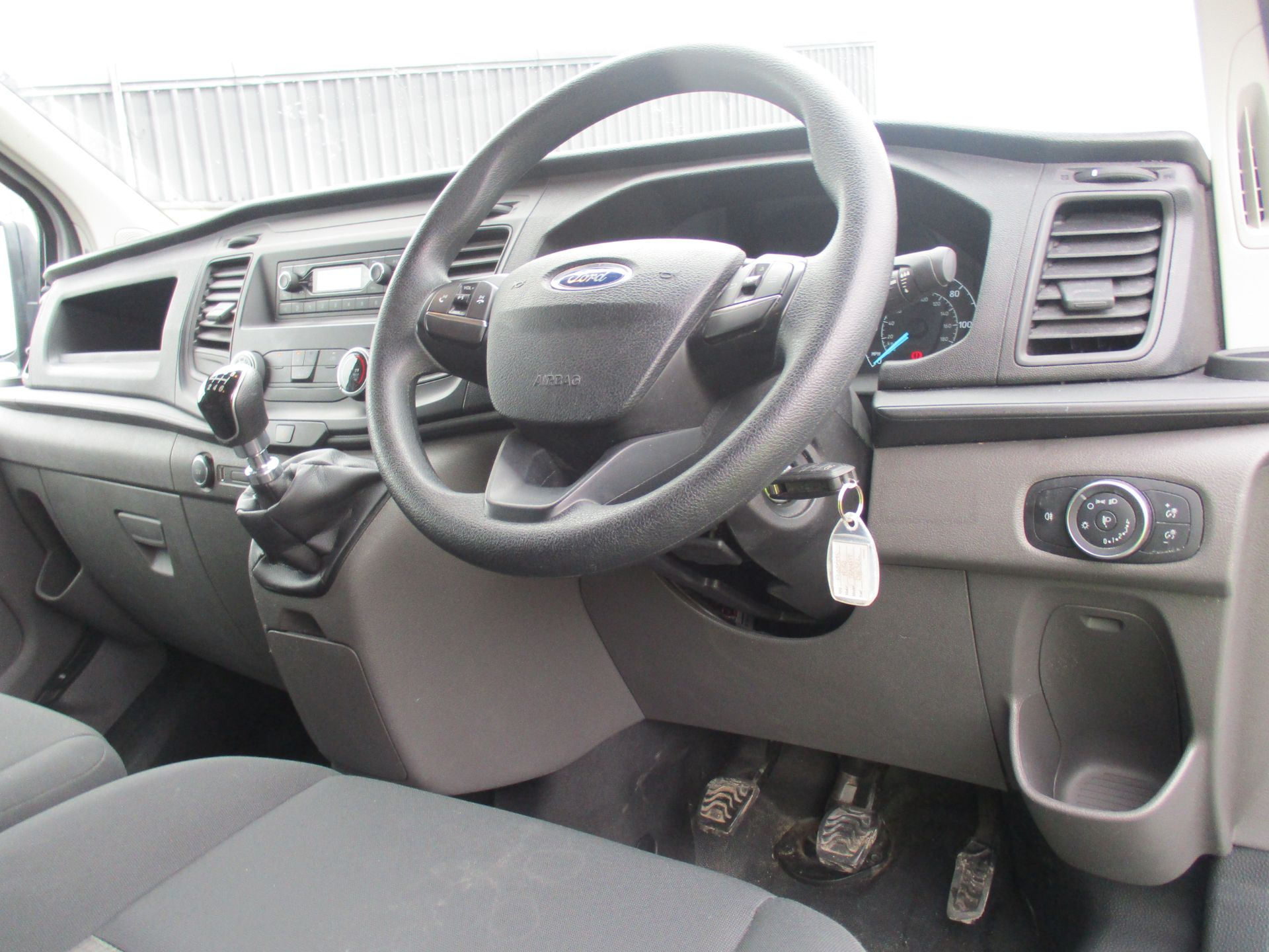 2018 Ford Transit Custom 300 L1 DIESEL FWD 2.0 TDCI 105PS LOW ROOF VAN EURO 6 (FL68AHC) Image 13
