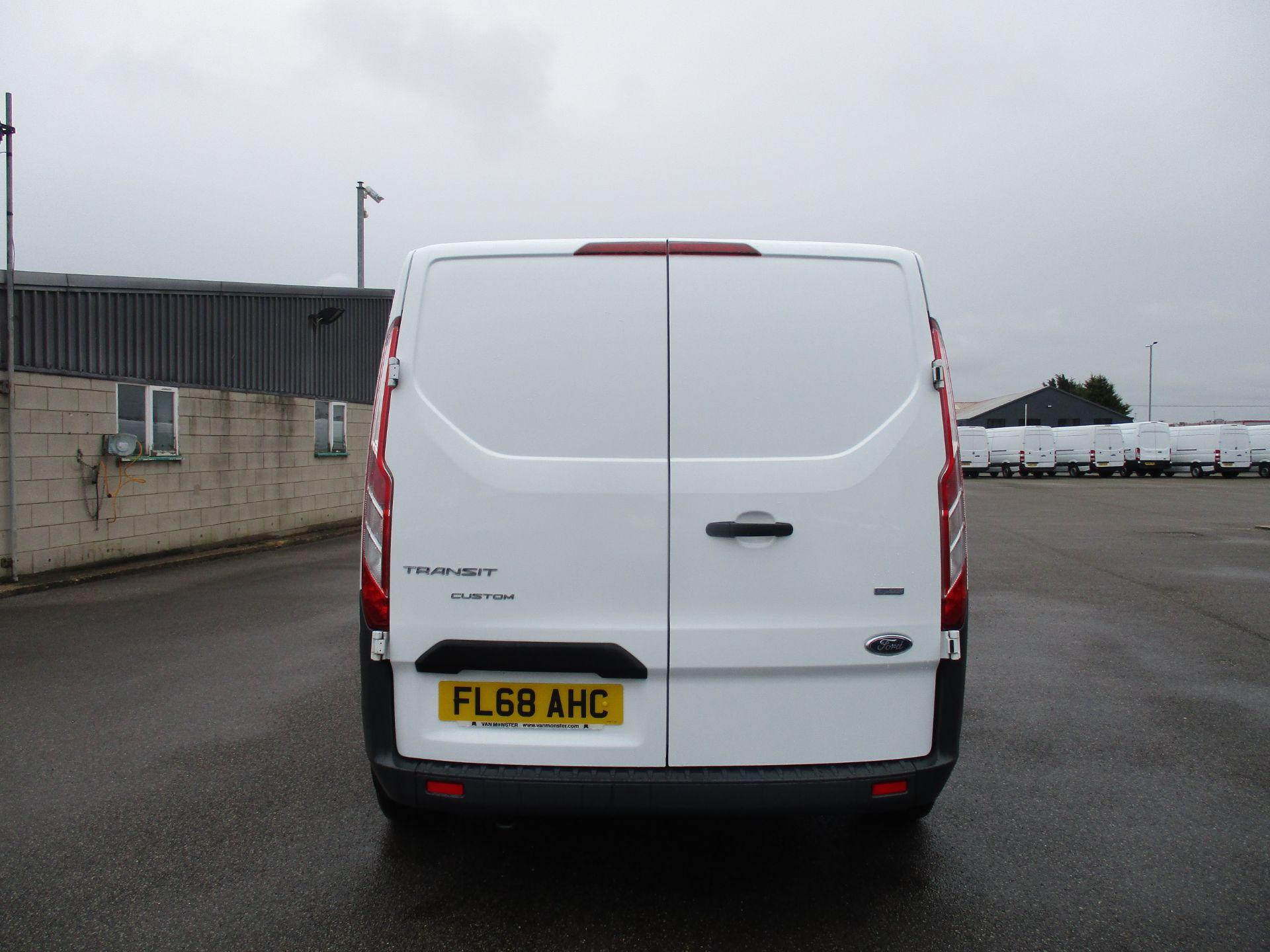 2018 Ford Transit Custom 300 L1 DIESEL FWD 2.0 TDCI 105PS LOW ROOF VAN EURO 6 (FL68AHC) Image 6