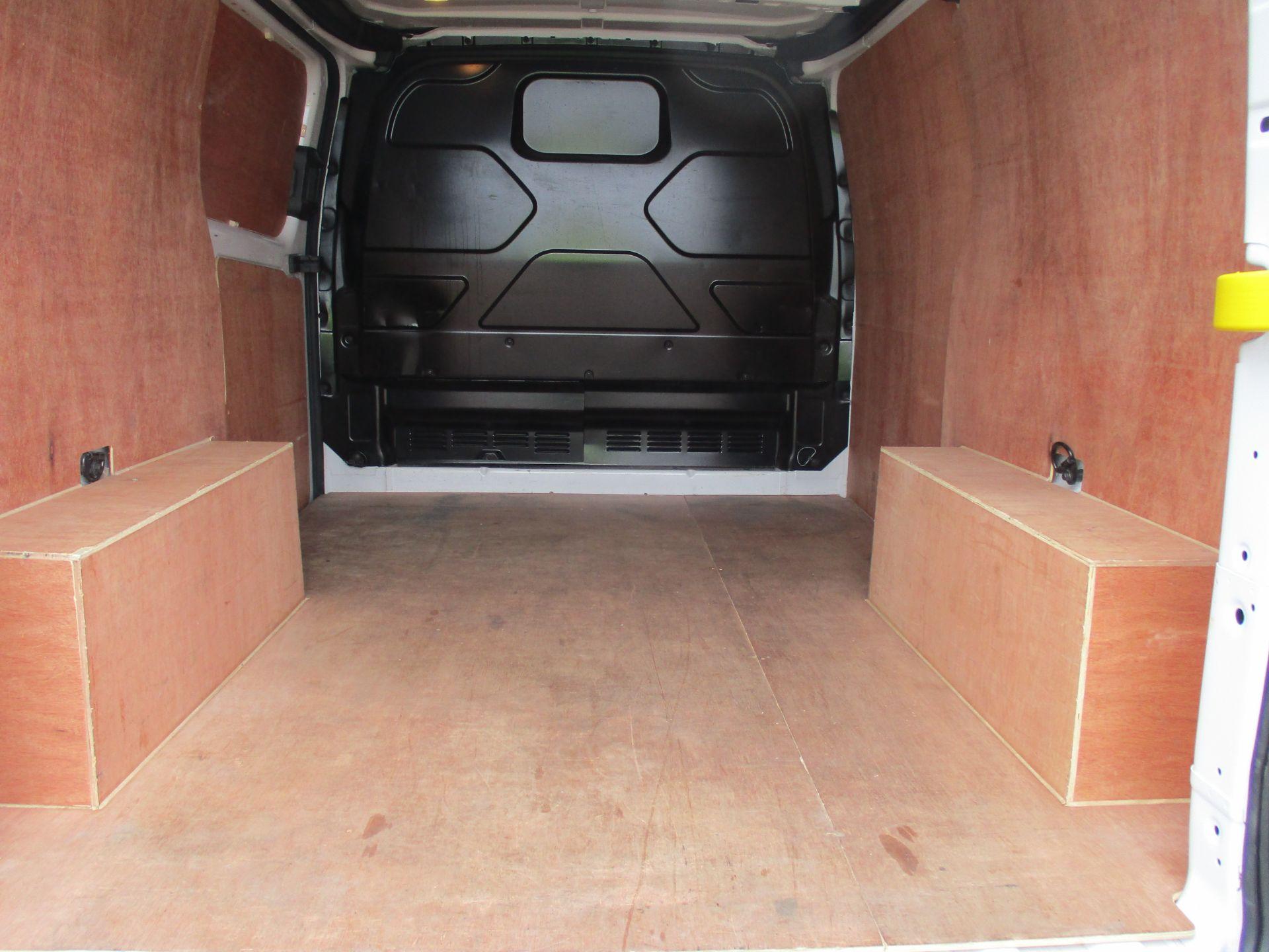 2018 Ford Transit Custom 300 L1 DIESEL FWD 2.0 TDCI 105PS LOW ROOF VAN EURO 6 (FL68AHC) Image 11