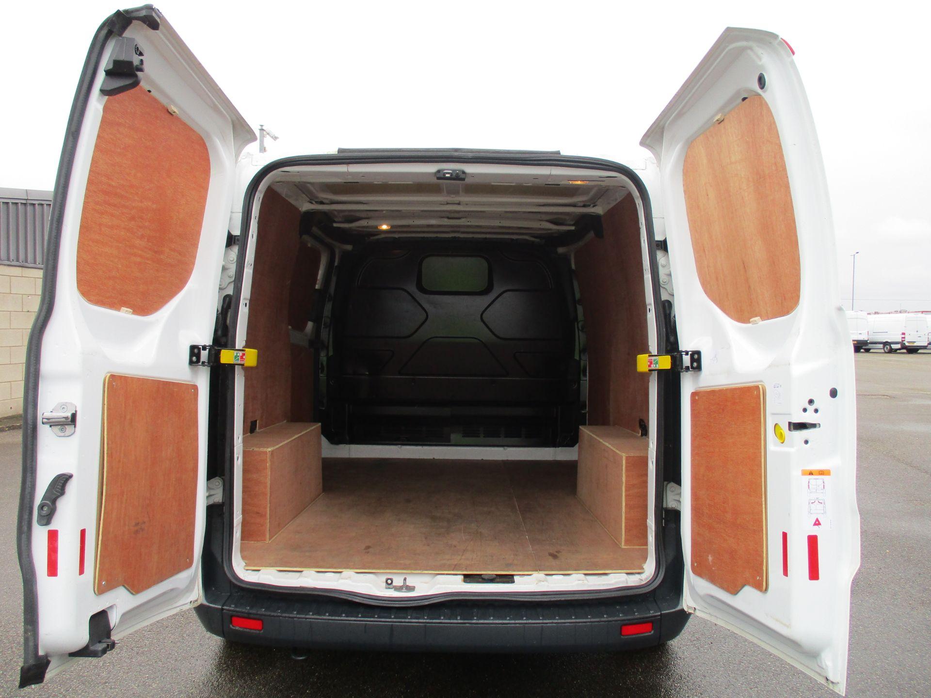2018 Ford Transit Custom 300 L1 DIESEL FWD 2.0 TDCI 105PS LOW ROOF VAN EURO 6 (FL68AHC) Image 10