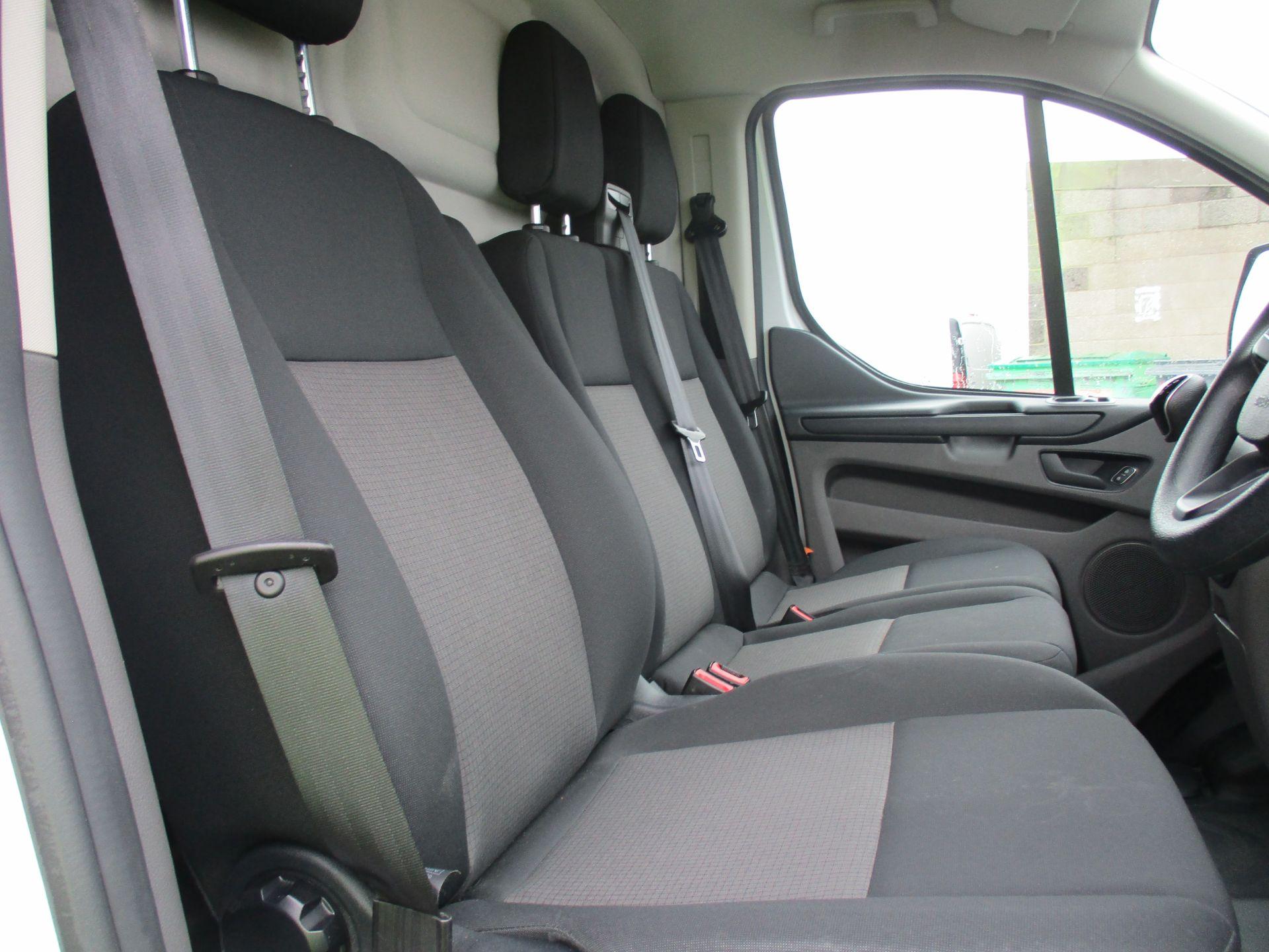 2018 Ford Transit Custom 300 L1 DIESEL FWD 2.0 TDCI 105PS LOW ROOF VAN EURO 6 (FL68AHC) Image 12