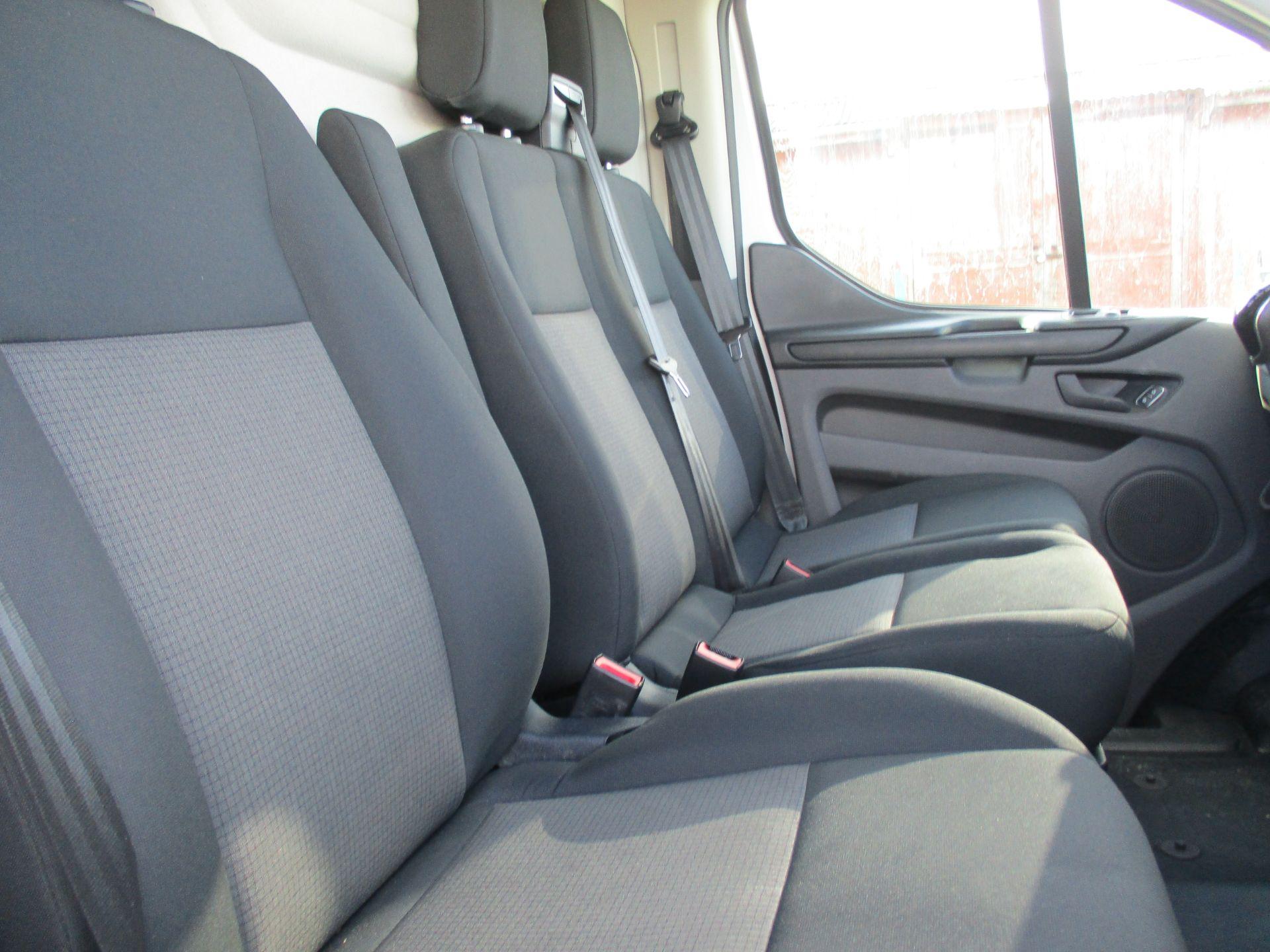 2018 Ford Transit Custom 300 L1 DIESEL FWD 2.0 TDCI 105PS LOW ROOF VAN EURO 6 (FL68AHN) Image 12