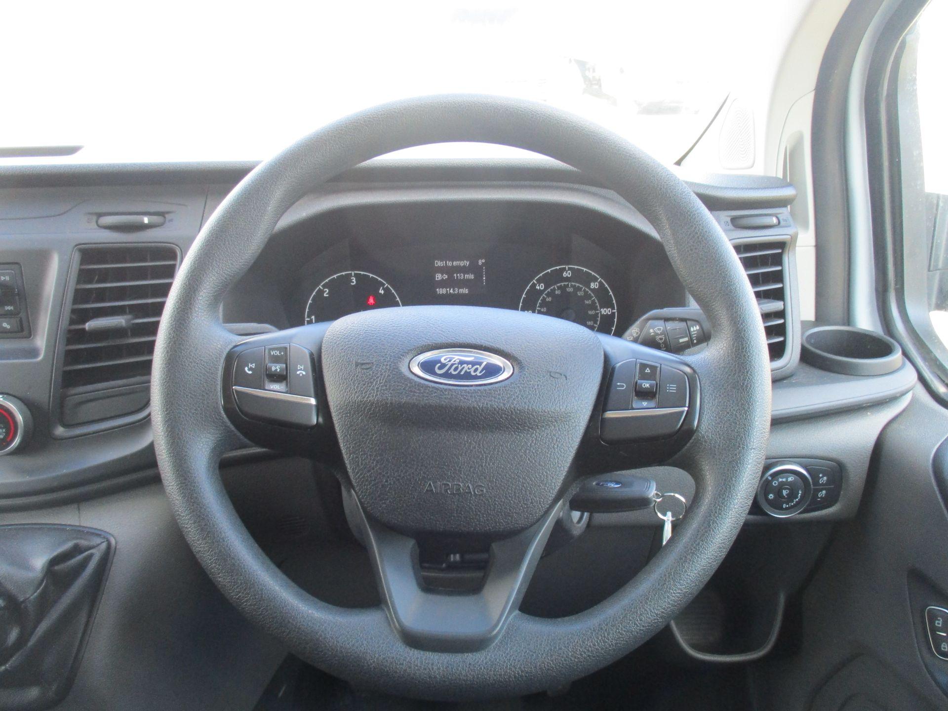 2018 Ford Transit Custom 300 L1 DIESEL FWD 2.0 TDCI 105PS LOW ROOF VAN EURO 6 (FL68AHN) Image 16