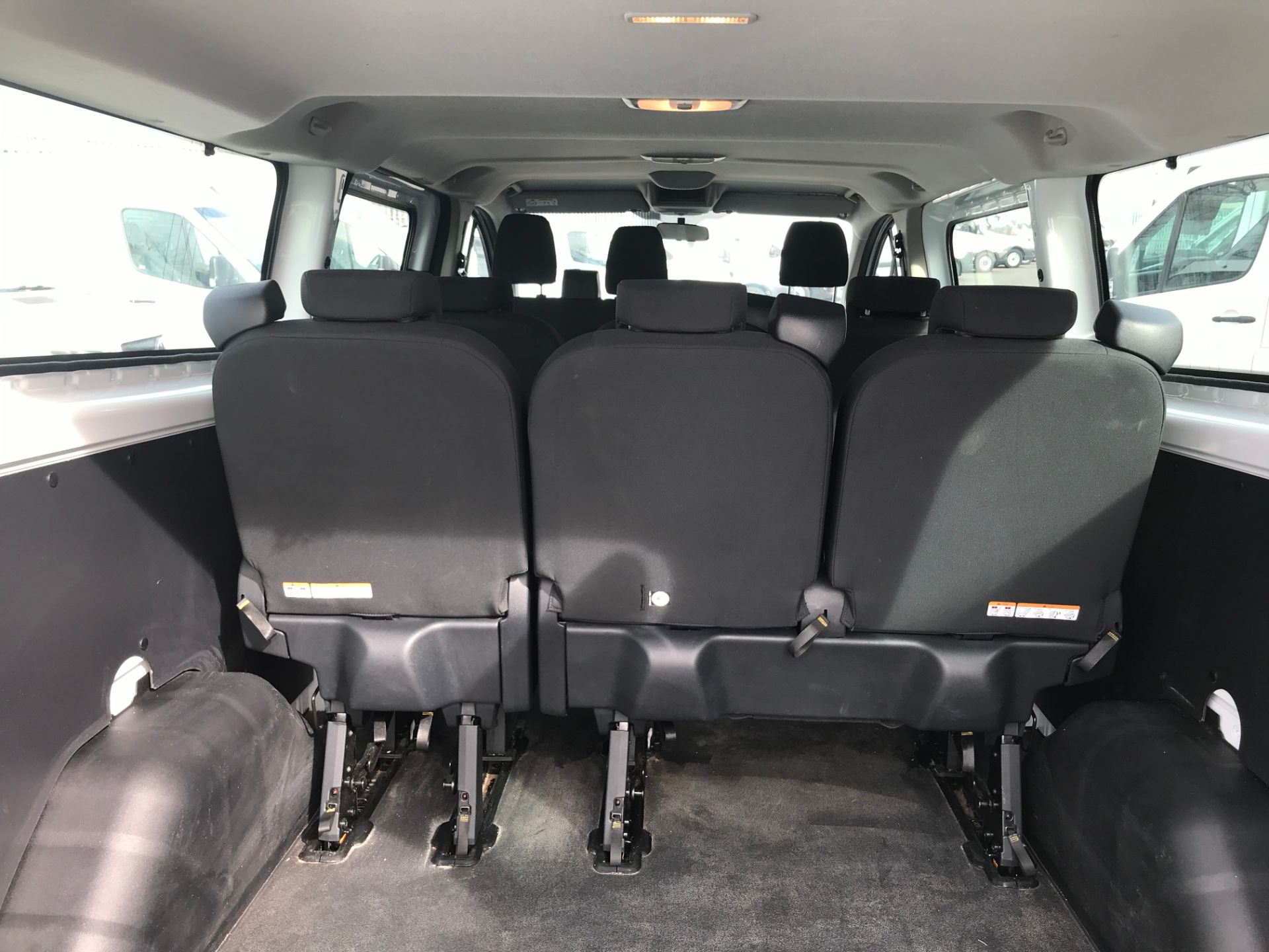 2018 Ford Transit Custom 320 L2 2.0TDCI 130PS 9 SEAT MINIBUS EURO 6 (FL68AOB) Image 16