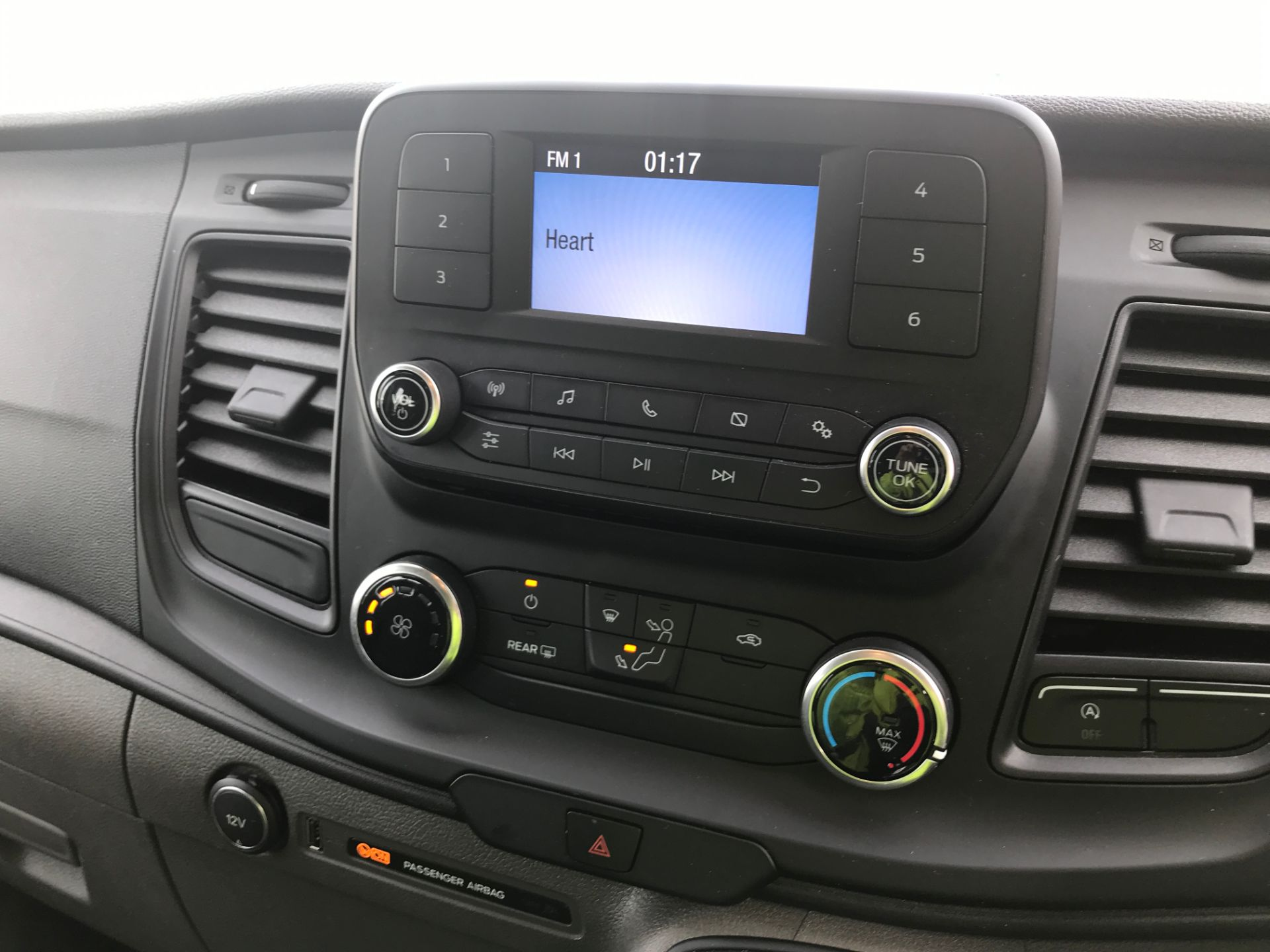 2018 Ford Transit Custom 320 L2 2.0TDCI 130PS 9 SEAT MINIBUS EURO 6 (FL68AOB) Image 3