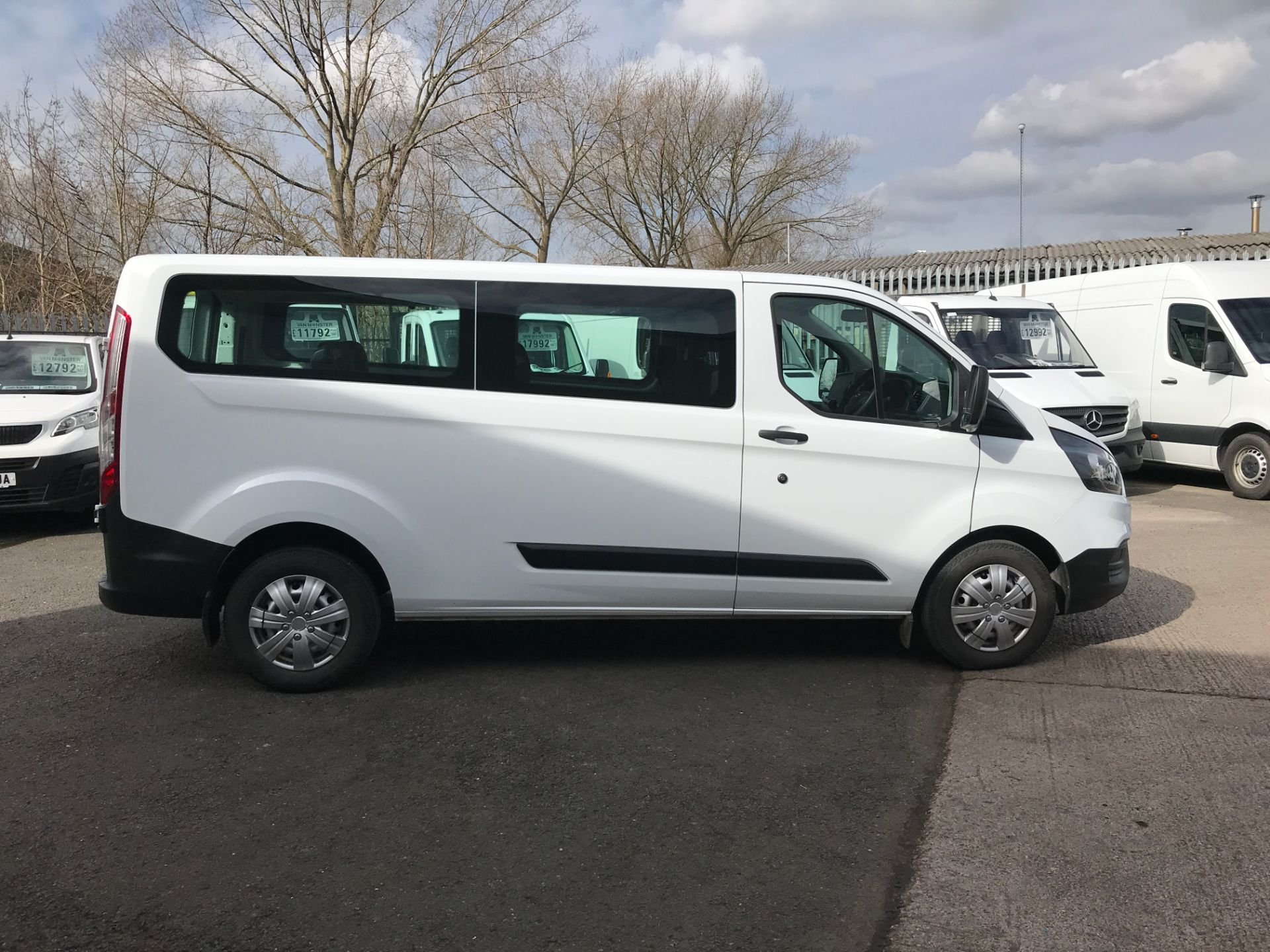 2018 Ford Transit Custom 320 L2 2.0TDCI 130PS 9 SEAT MINIBUS EURO 6 (FL68AOB) Image 7