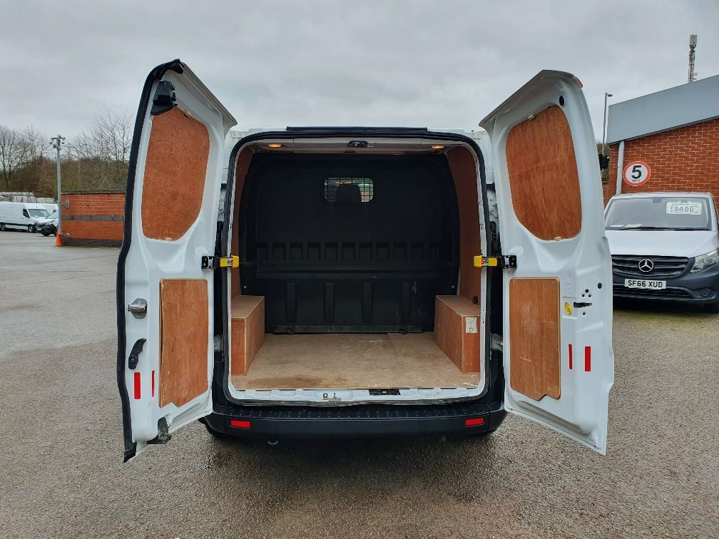 2018 Ford Transit Custom CREW 300 BASE 2.0 105PS EURO 6 (FL68AWJ) Image 12