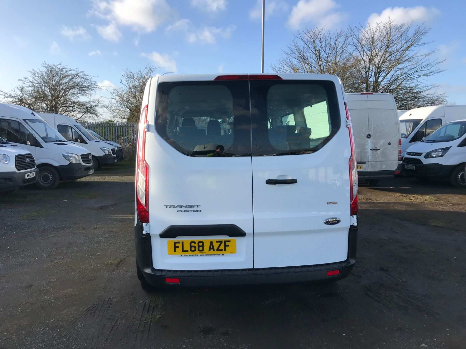 2018 Ford Transit Custom 2.0 Tdci 130Ps Low Roof Kombi Van (FL68AZF) Image 6
