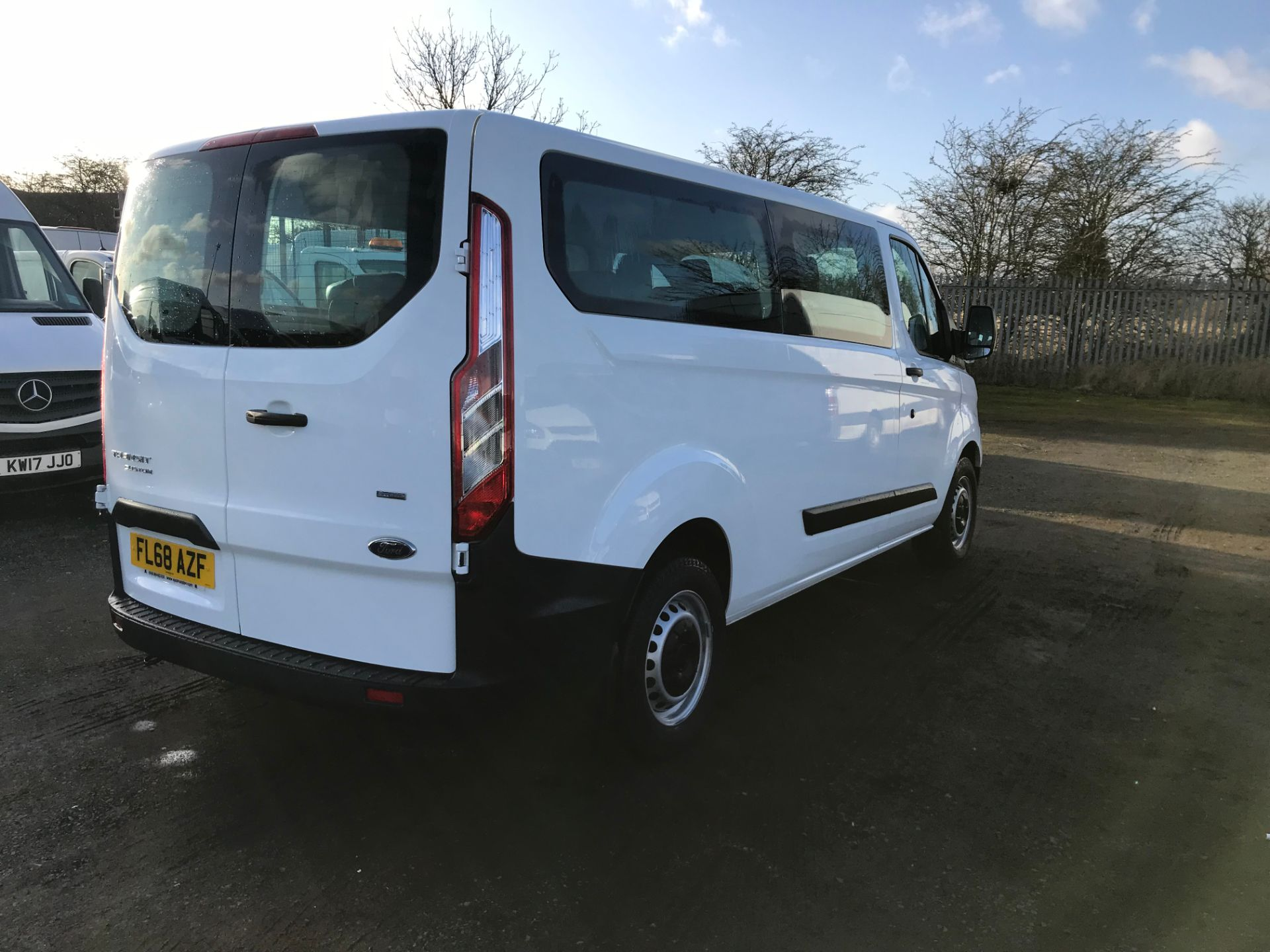 2018 Ford Transit Custom 2.0 Tdci 130Ps Low Roof Kombi Van (FL68AZF) Image 7