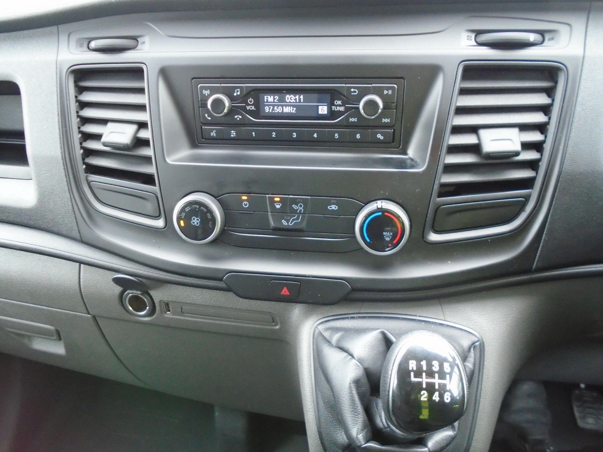 2018 Ford Transit Custom 2.0 Tdci 105Ps Low Roof Van (FL68BFX) Image 17