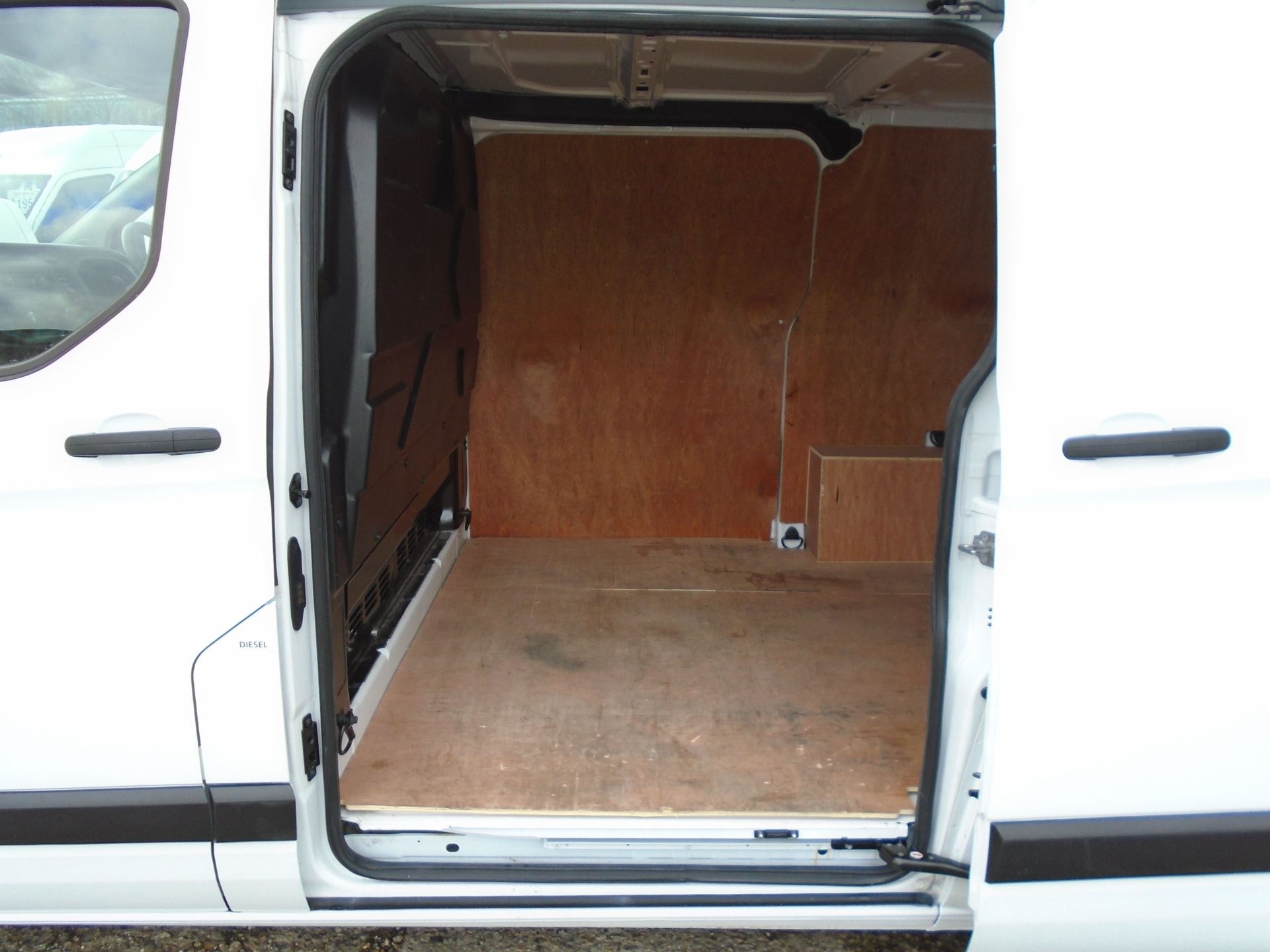 2018 Ford Transit Custom 2.0 Tdci 105Ps Low Roof Van (FL68BFX) Image 11