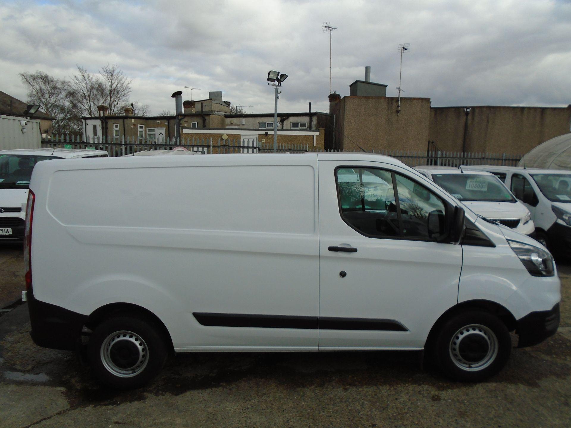 2018 Ford Transit Custom 2.0 Tdci 105Ps Low Roof Van (FL68BFX) Image 13