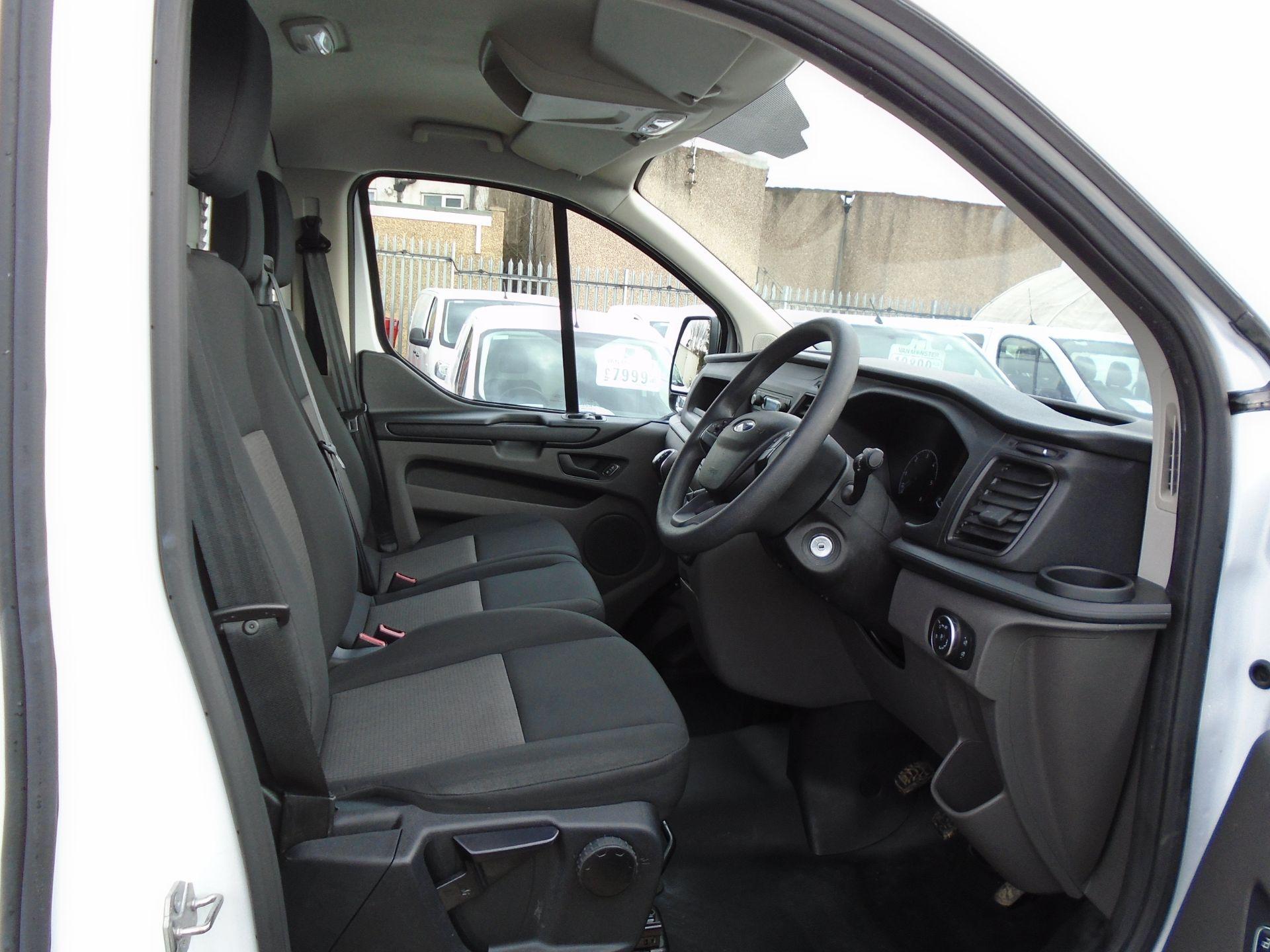 2018 Ford Transit Custom 2.0 Tdci 105Ps Low Roof Van (FL68BFX) Image 16