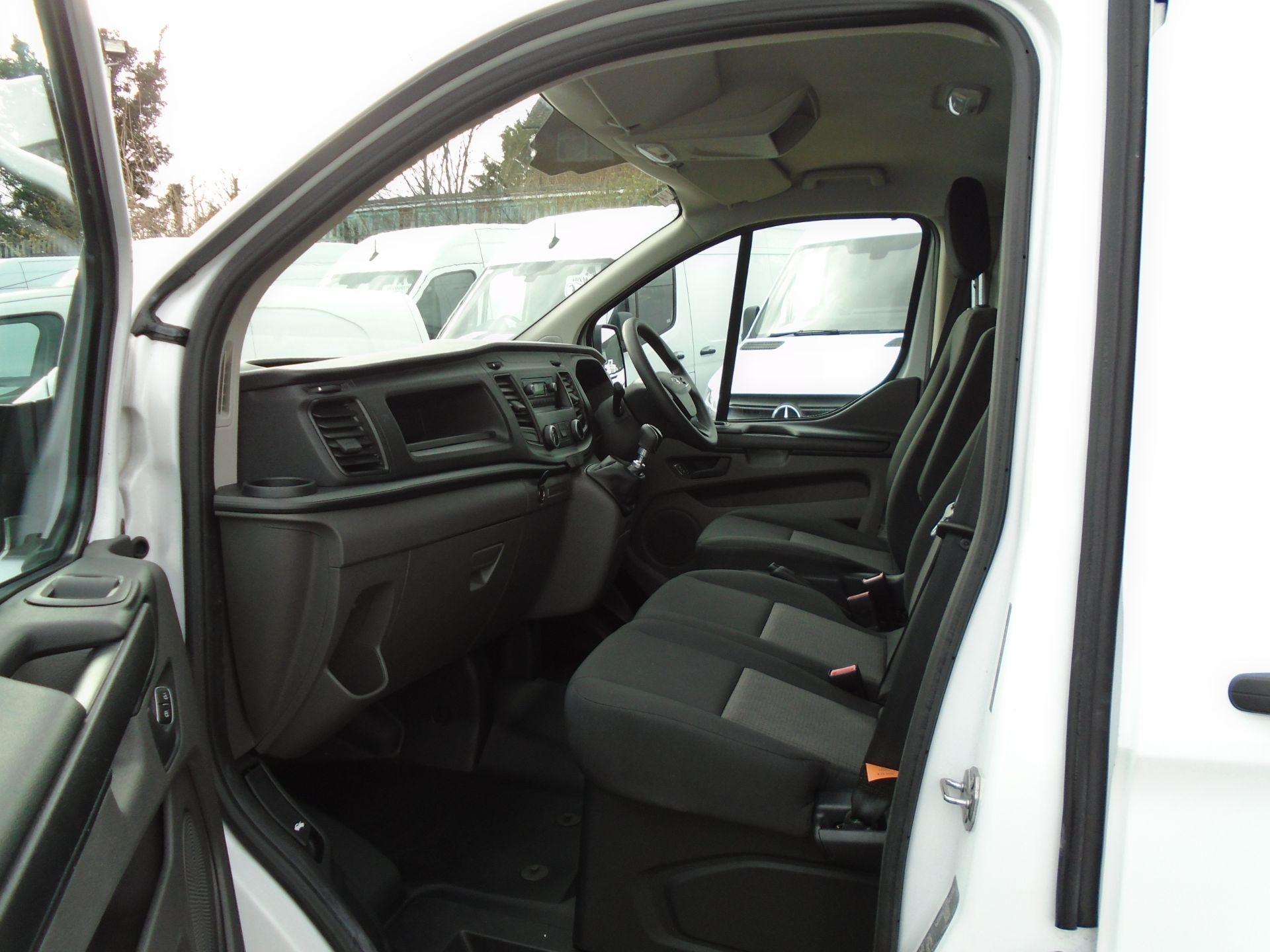 2018 Ford Transit Custom 2.0 Tdci 105Ps Low Roof Van (FL68BFX) Image 15