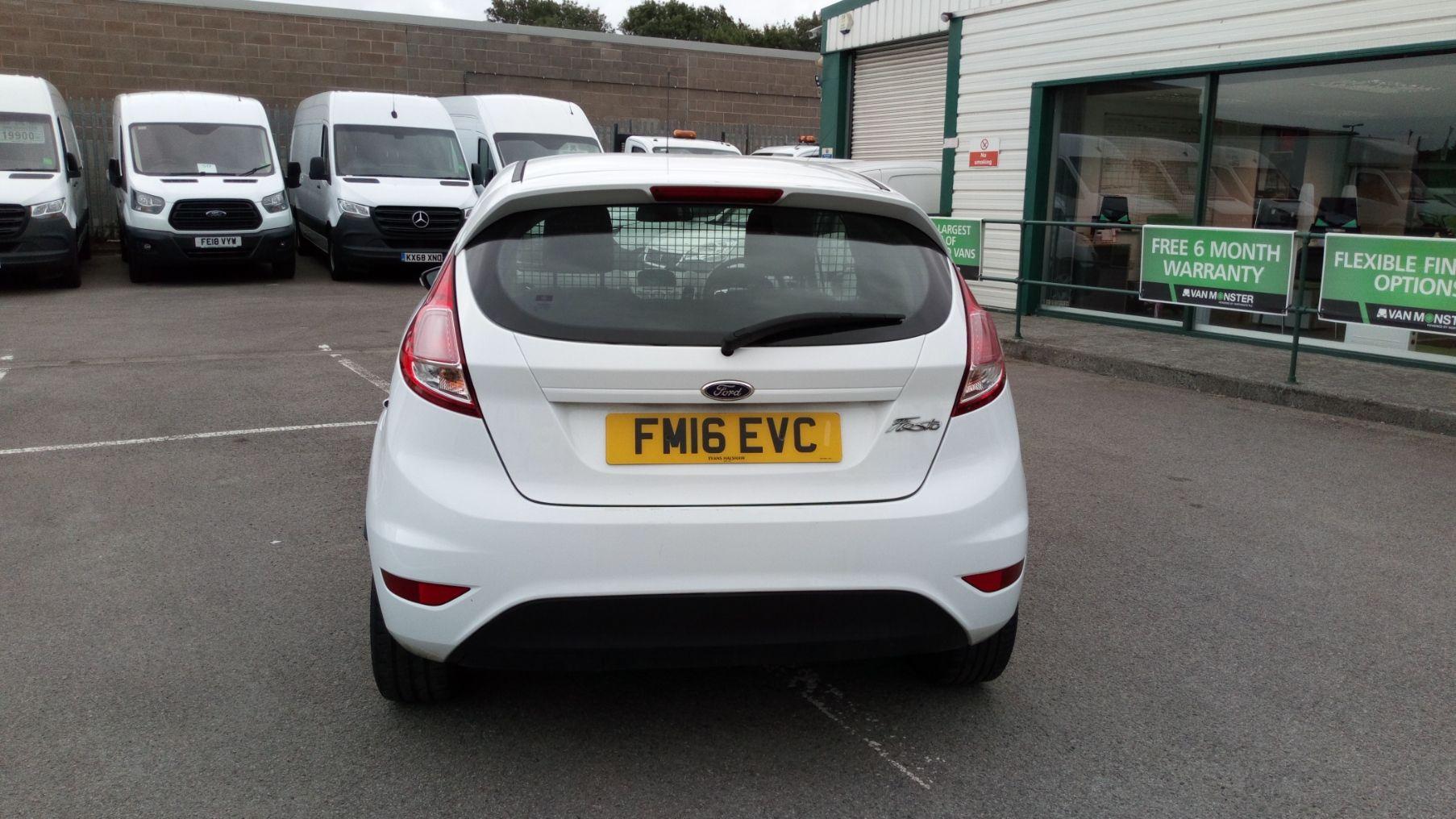 2016 Ford Fiesta 1.5 Tdci Van (FM16EVC) Image 6