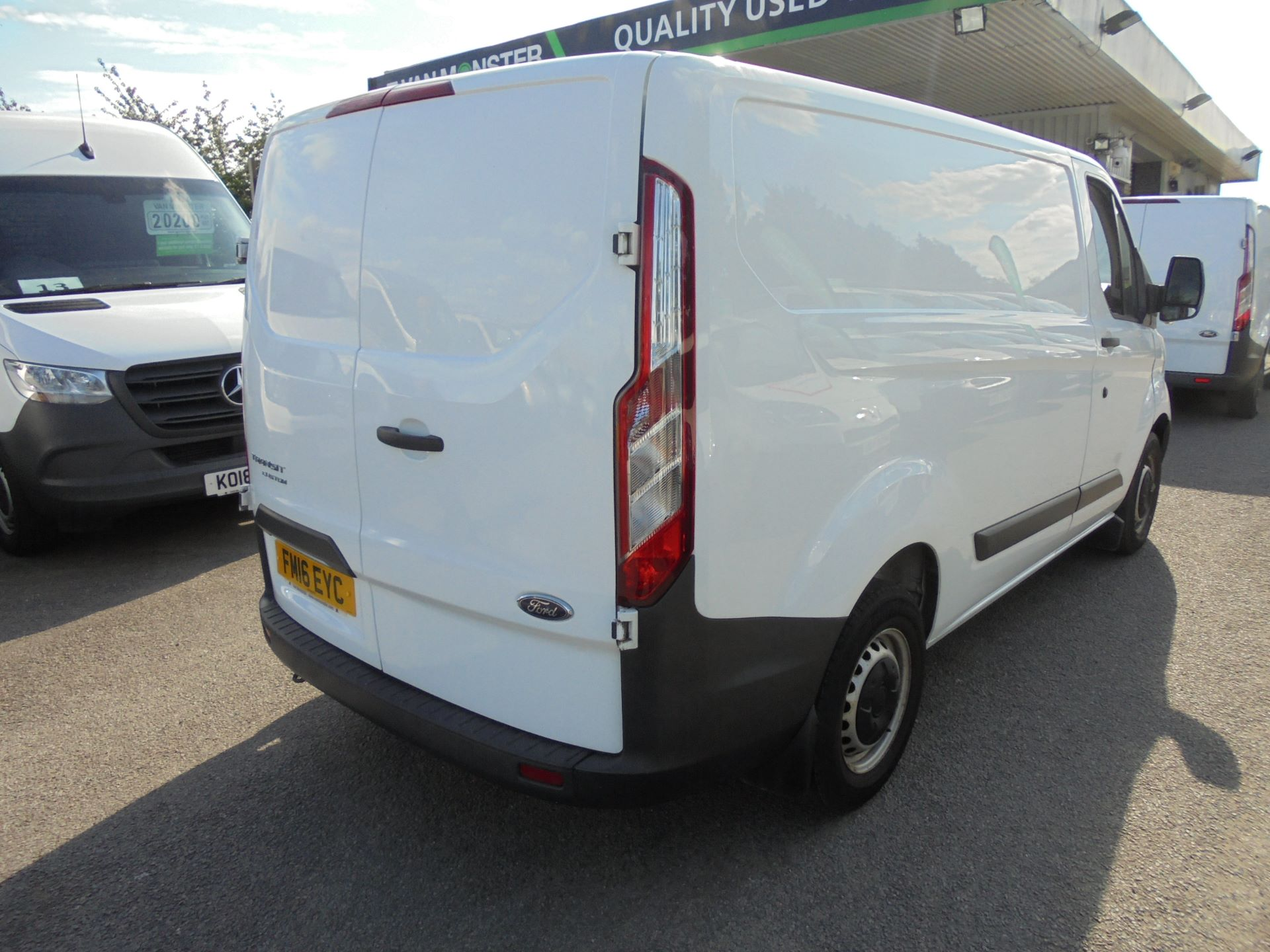 2016 Ford Transit Custom 290 L1 DIESEL FWD 2.2  TDCI 100PS LOW ROOF VAN EURO 5 (FM16EYC) Thumbnail 3