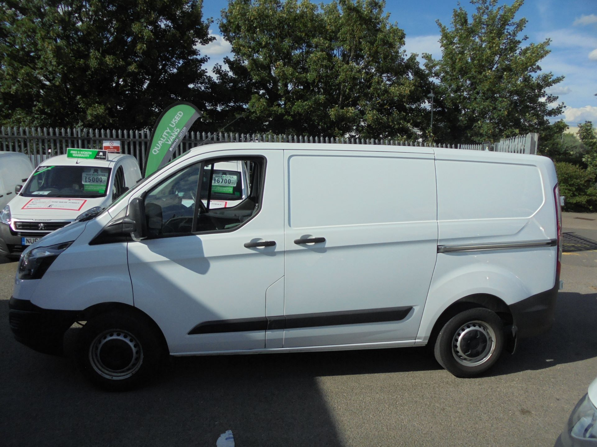 2016 Ford Transit Custom 290 L1 DIESEL FWD 2.2  TDCI 100PS LOW ROOF VAN EURO 5 (FM16EYC) Thumbnail 6