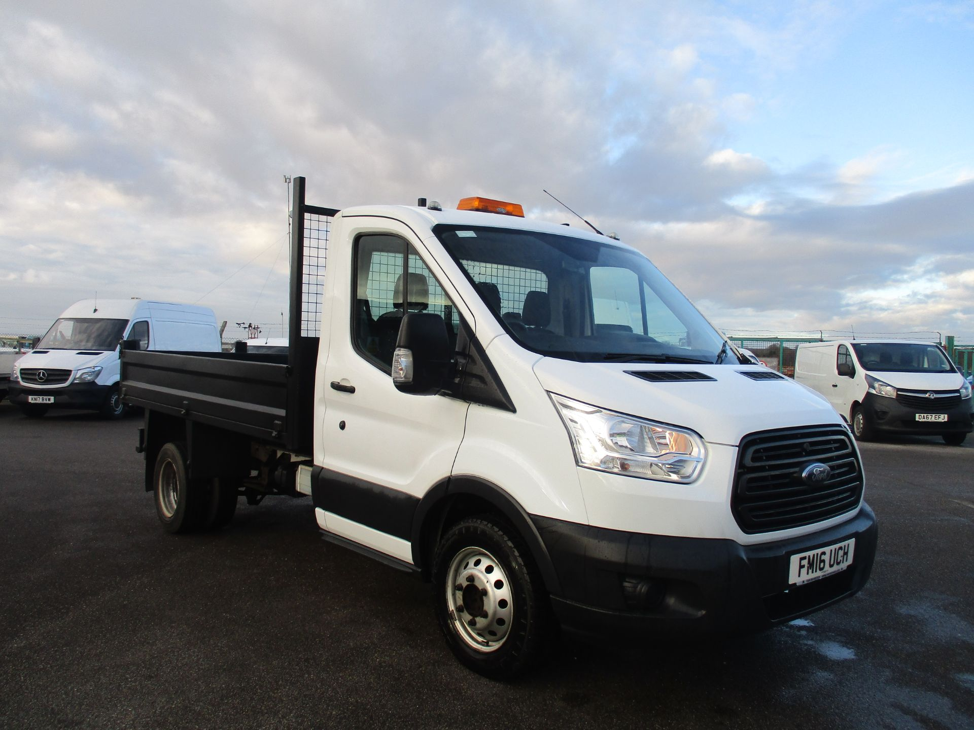 2016 Ford Transit 350 L2 SINGLE CAB TIPPER 125PS EURO 5 (FM16UCH)