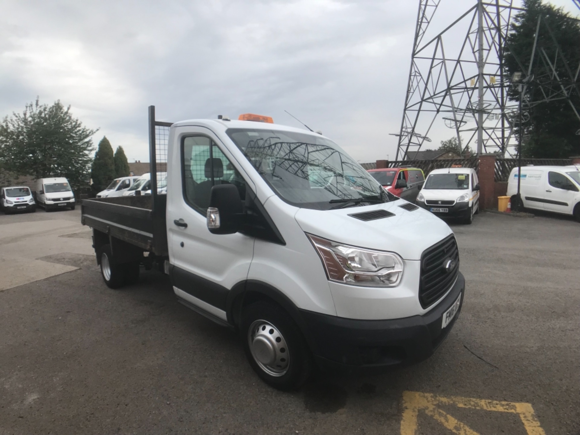 2016 Ford Transit  350 L2 SINGLE CAB TIPPER 125PS EURO 5 (FM16UCY) Image 1