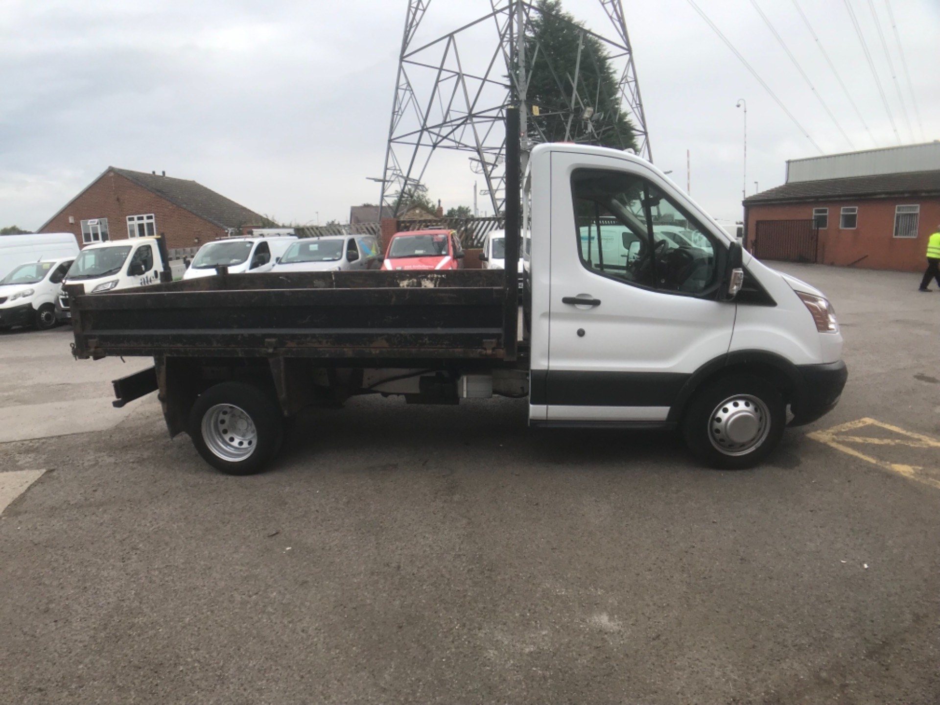 2016 Ford Transit  350 L2 SINGLE CAB TIPPER 125PS EURO 5 (FM16UCY) Image 5