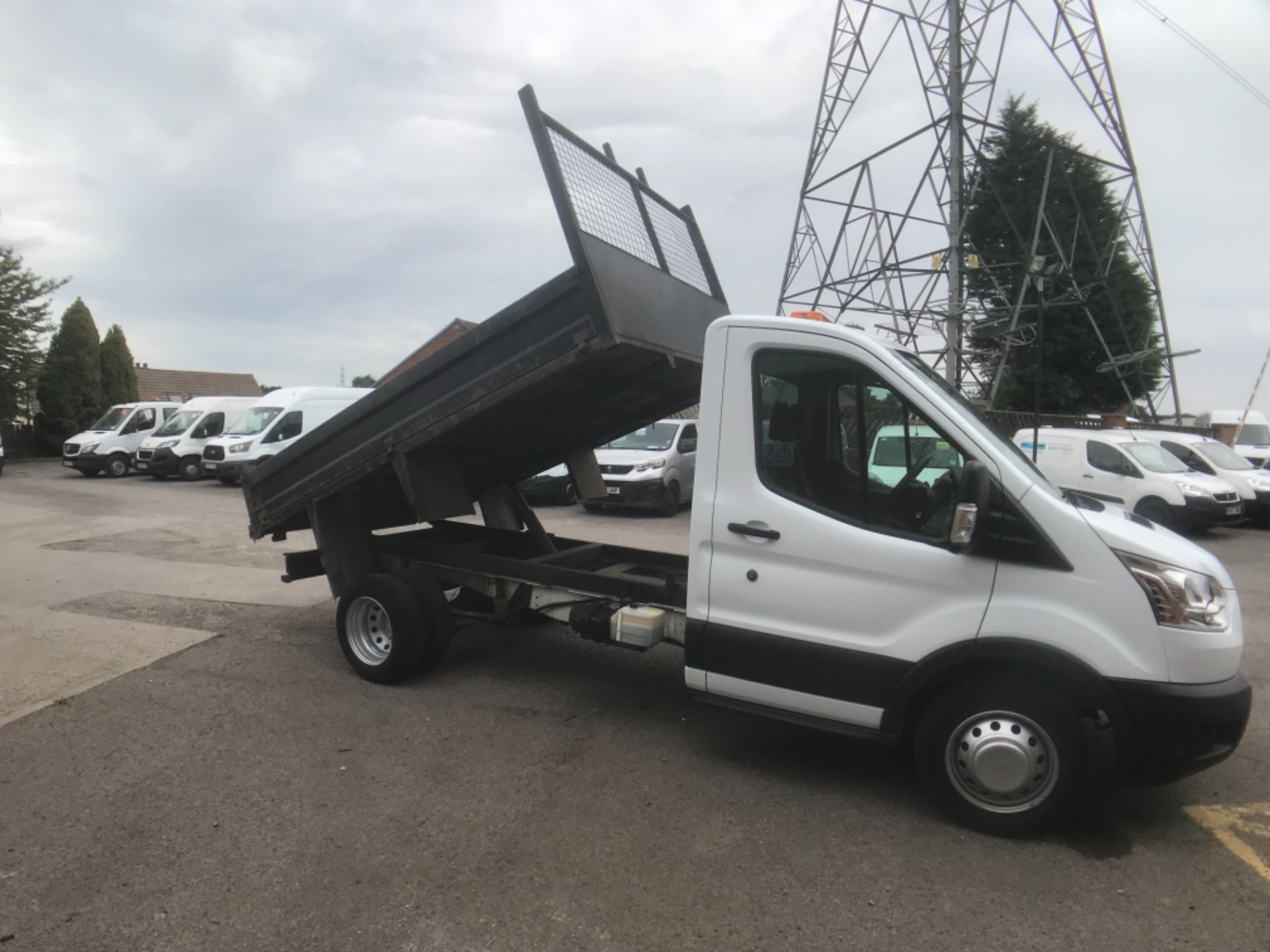 2016 Ford Transit  350 L2 SINGLE CAB TIPPER 125PS EURO 5 (FM16UCY) Image 11