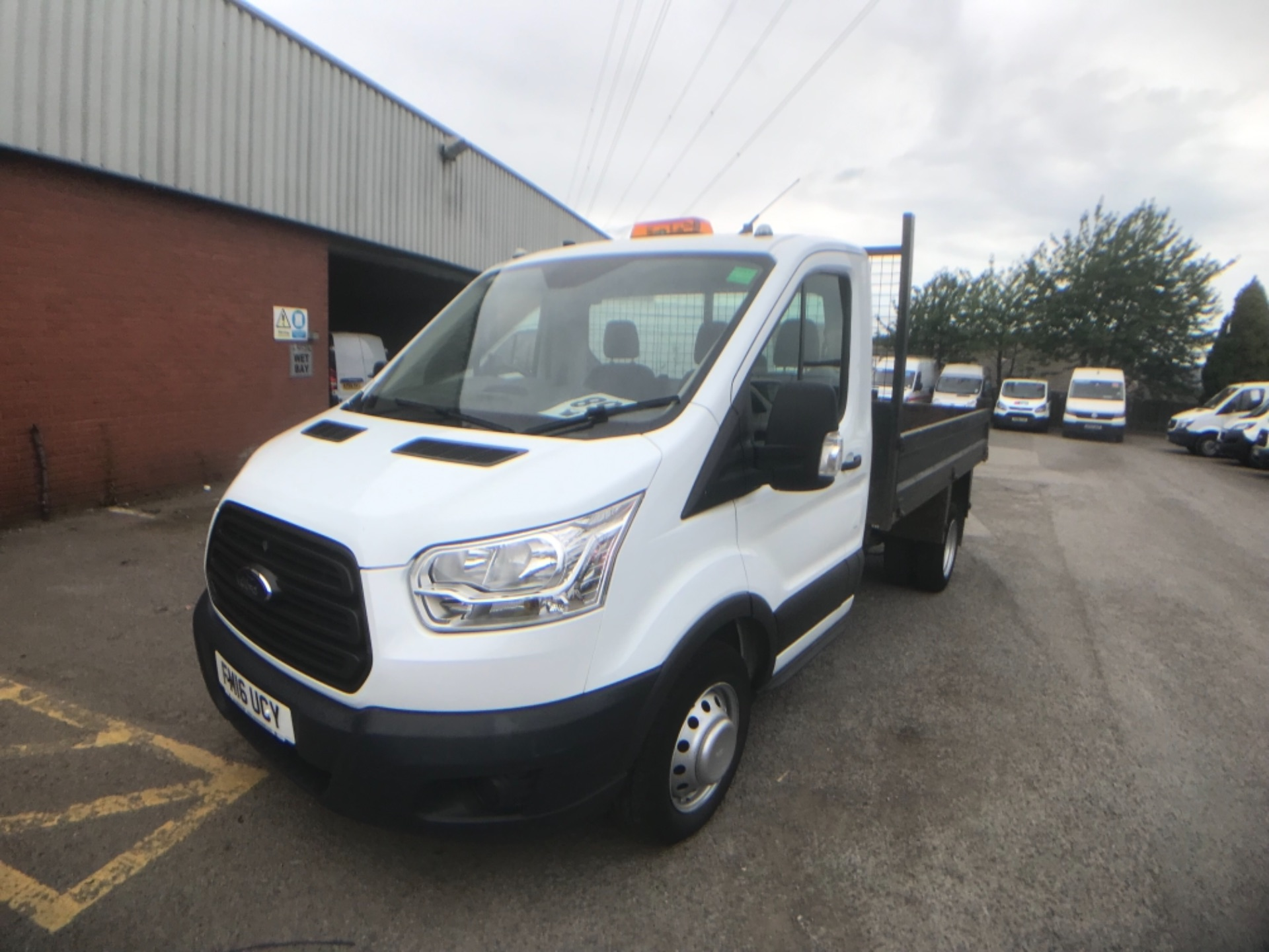 2016 Ford Transit  350 L2 SINGLE CAB TIPPER 125PS EURO 5 (FM16UCY) Image 3