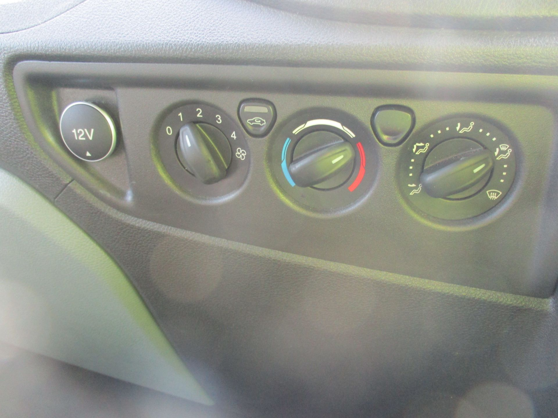 2017 Ford Transit L3 H3 VAN 130PS EURO 6 (FM17VRP) Image 21