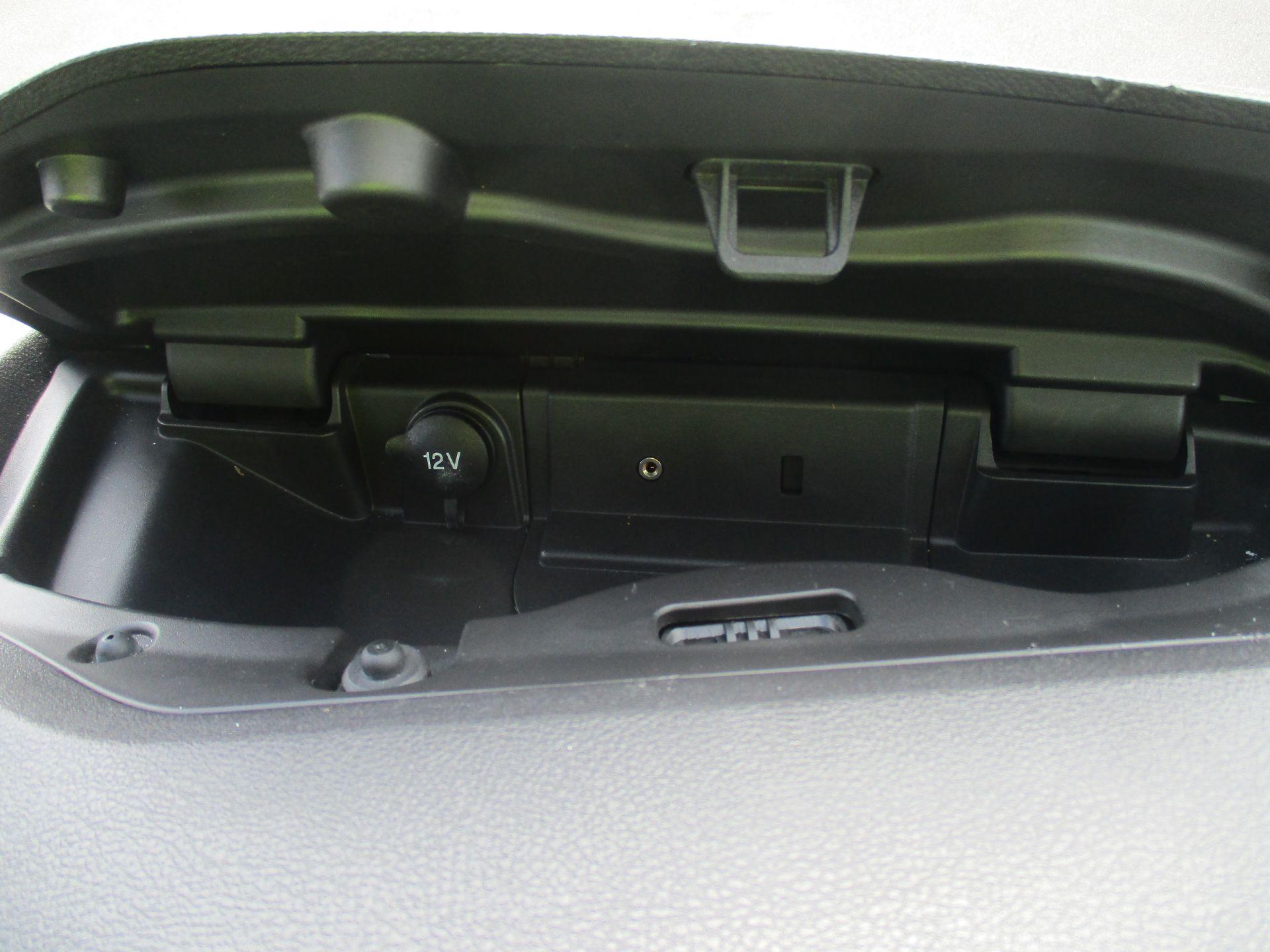 2017 Ford Transit L3 H3 VAN 130PS EURO 6 (FM17VRP) Image 22