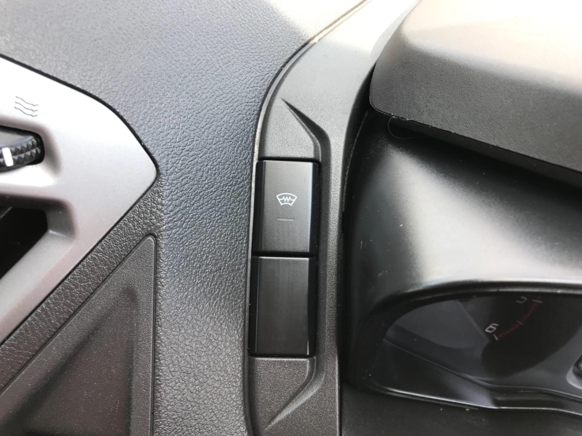 2017 Ford Transit Custom 2.0 Tdci 130Ps Low Roof Trend Van EURO 6 (FM17VRR) Image 23