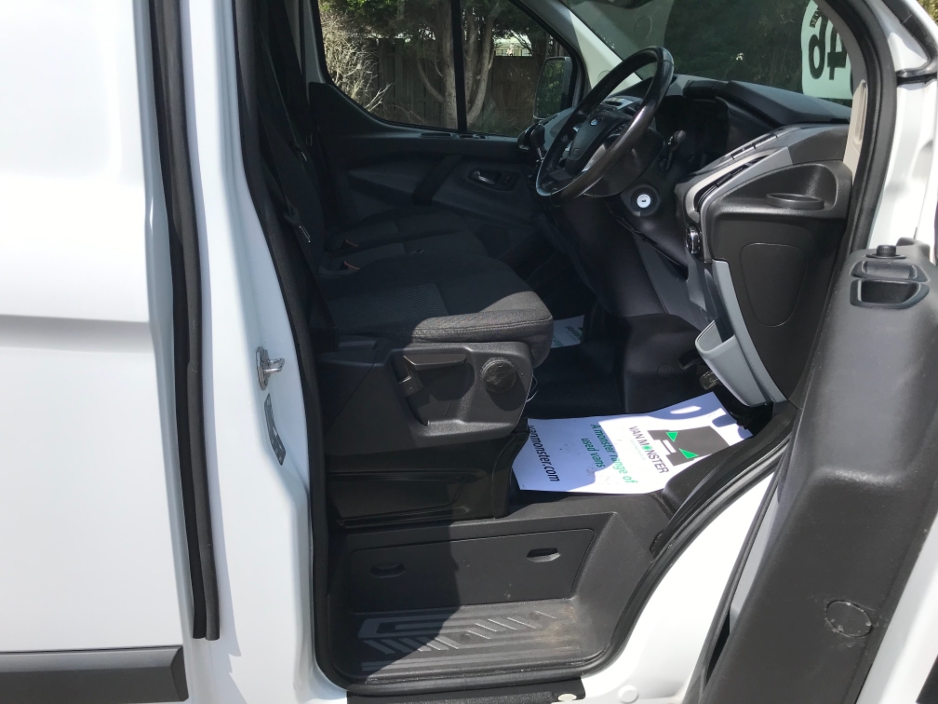 2017 Ford Transit Custom 2.0 Tdci 130Ps Low Roof Trend Van EURO 6 (FM17VRR) Image 12