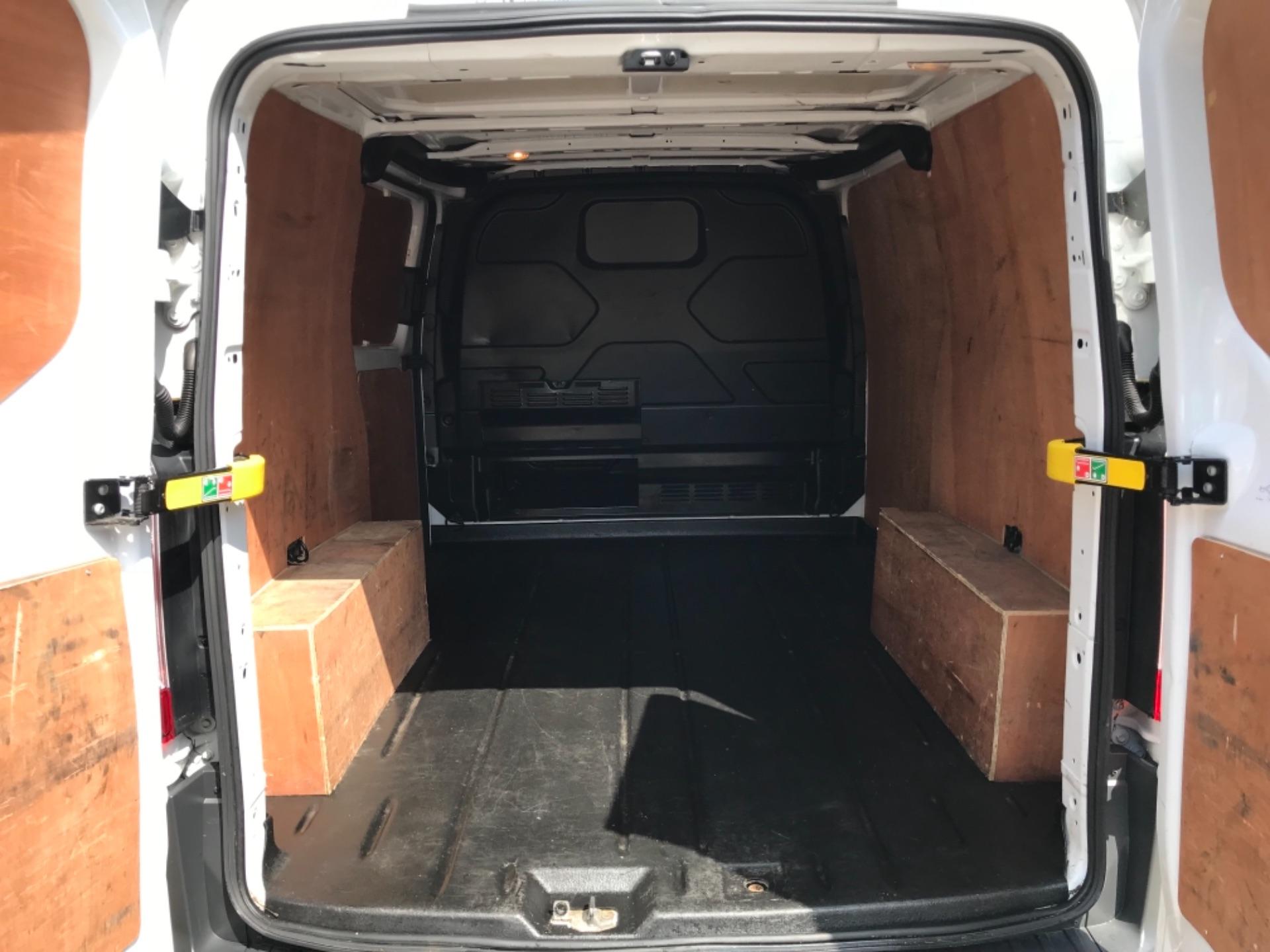 2017 Ford Transit Custom 2.0 Tdci 130Ps Low Roof Trend Van EURO 6 (FM17VRR) Image 36
