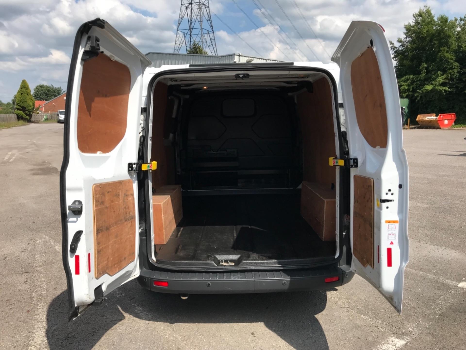 2017 Ford Transit Custom 2.0 Tdci 130Ps Low Roof Trend Van EURO 6 (FM17VRR) Image 35