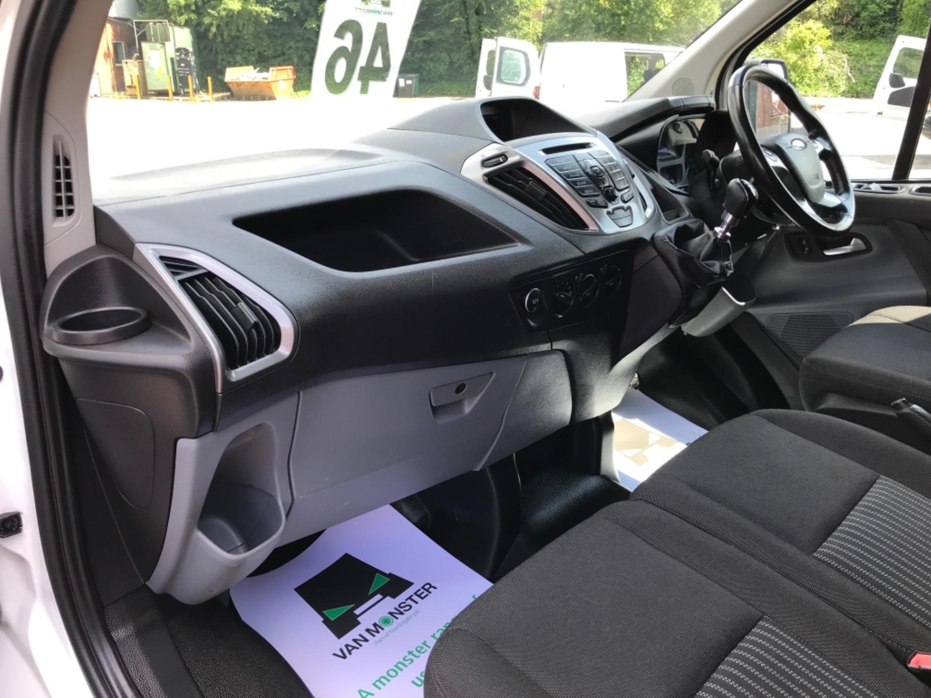 2017 Ford Transit Custom 2.0 Tdci 130Ps Low Roof Trend Van EURO 6 (FM17VRR) Image 28